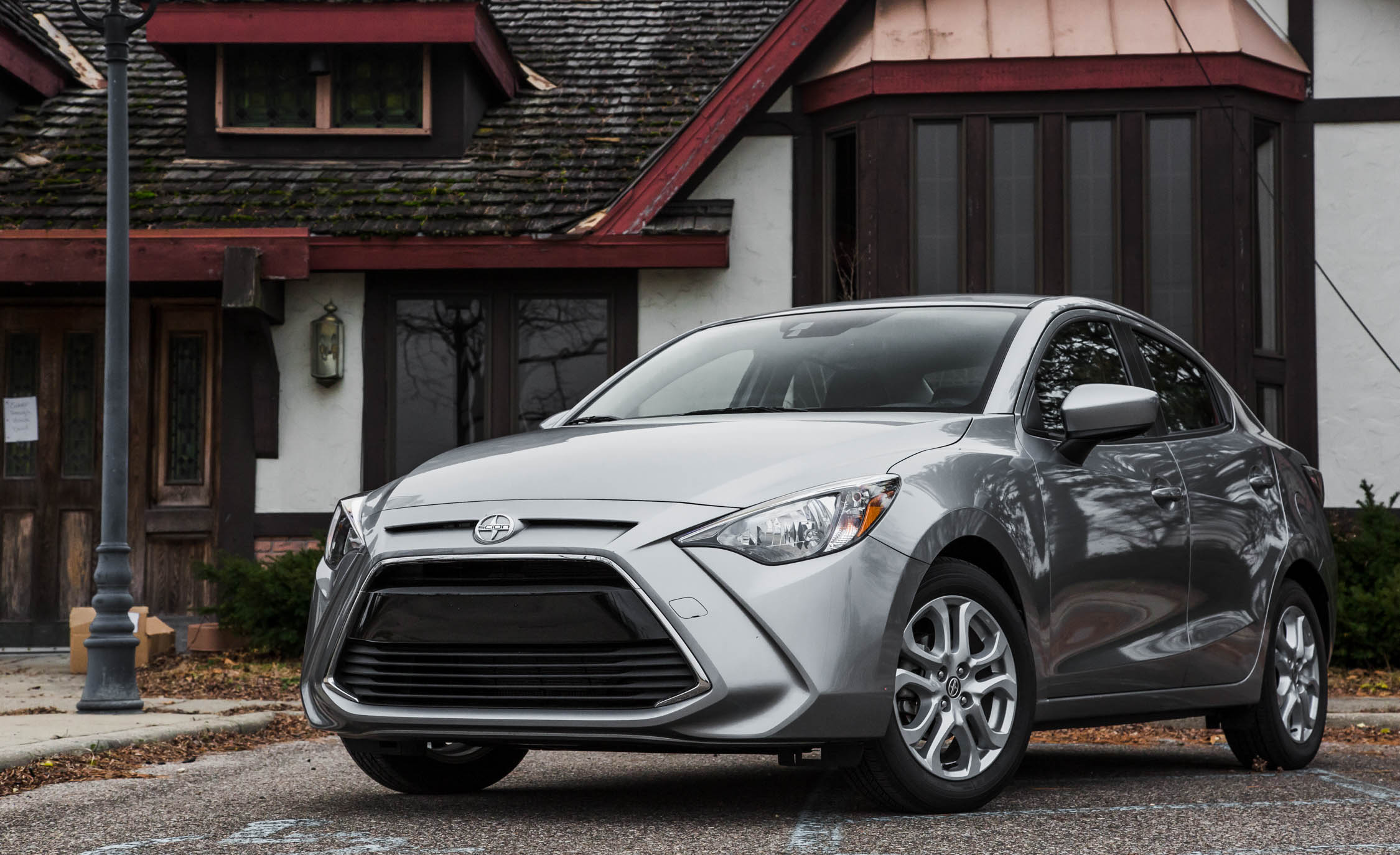 2016 Scion IA (Photo 19 of 32)