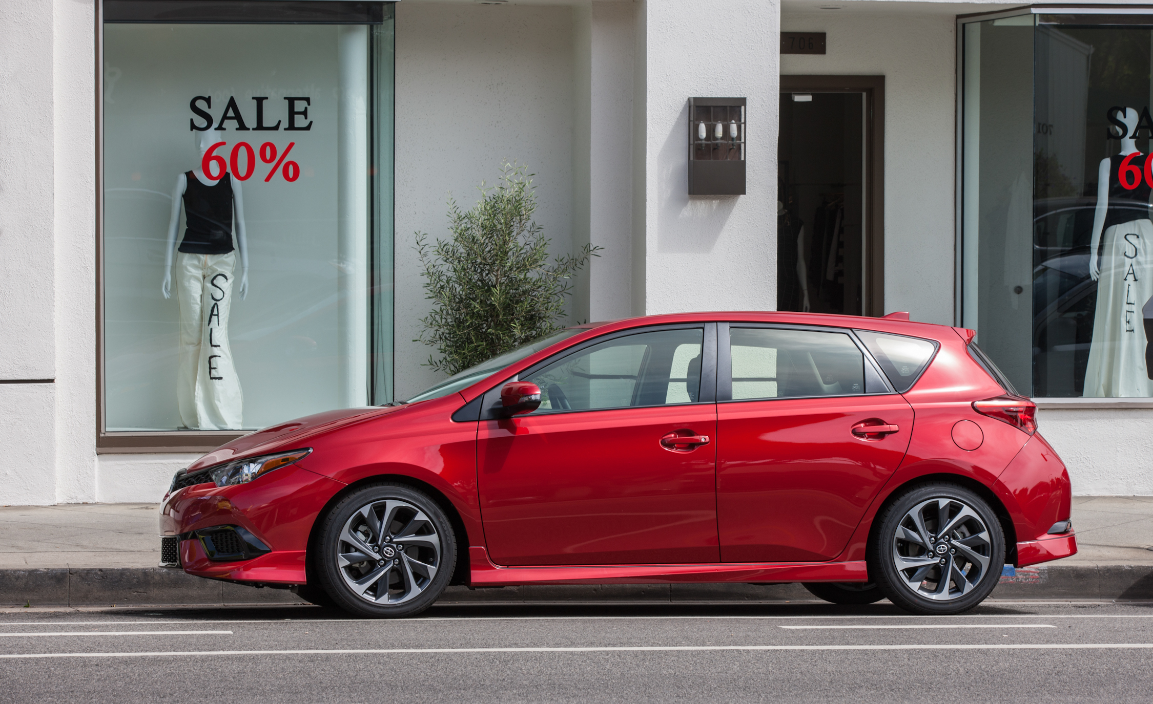 2016 Scion IM (Photo 4 of 20)