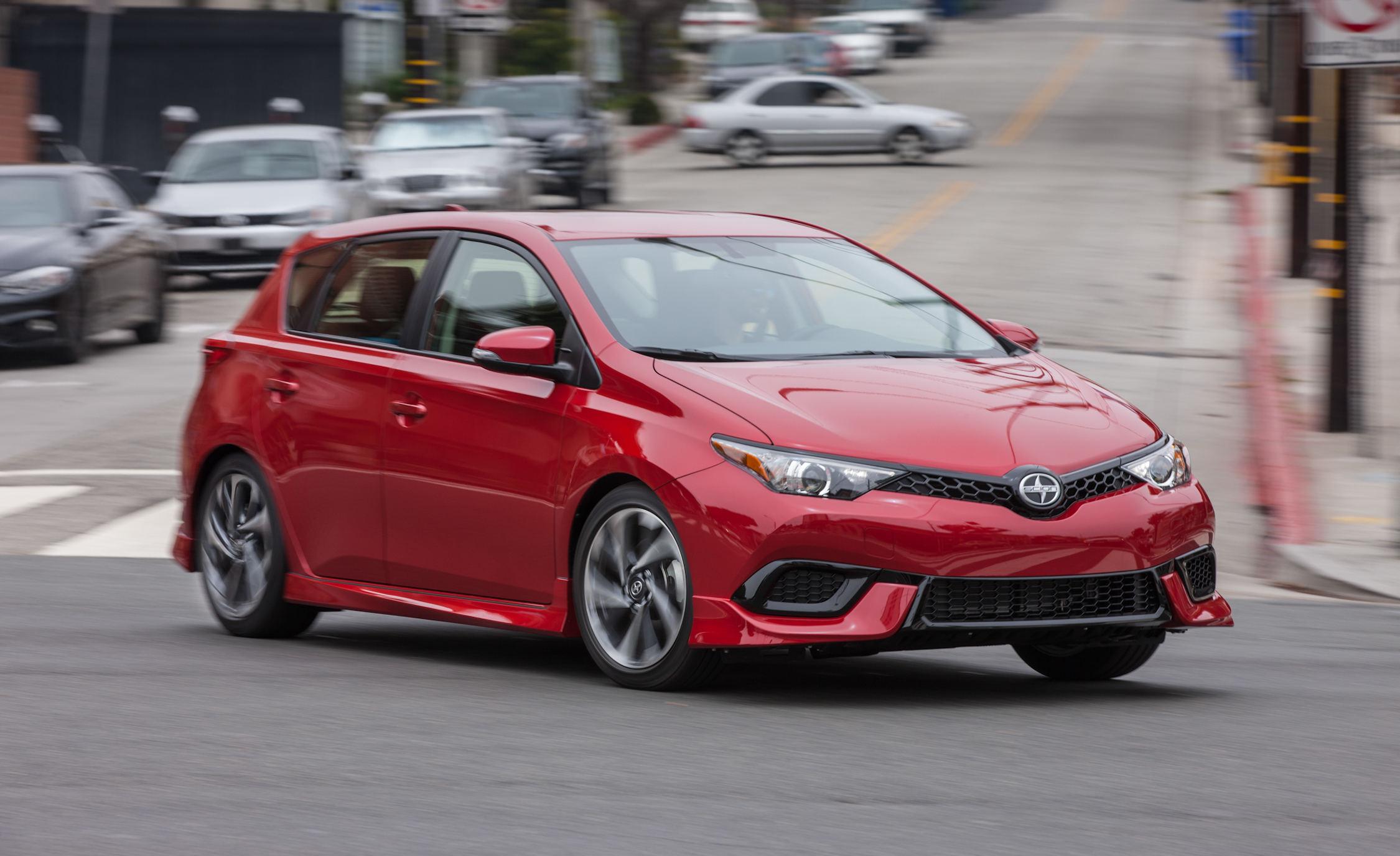 2016 Scion IM (View 10 of 20)