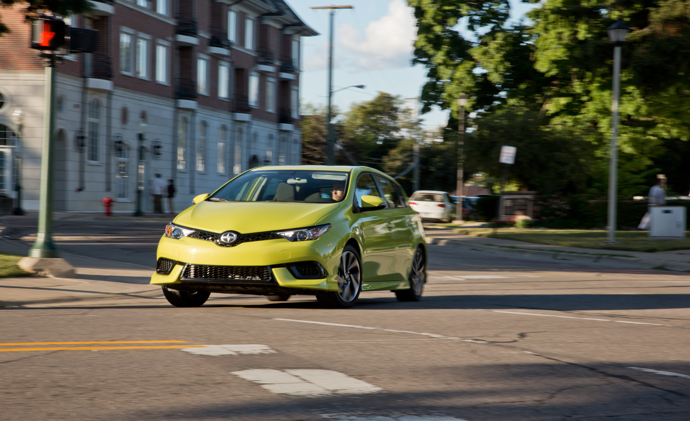 2016 Scion IM (Photo 15 of 20)