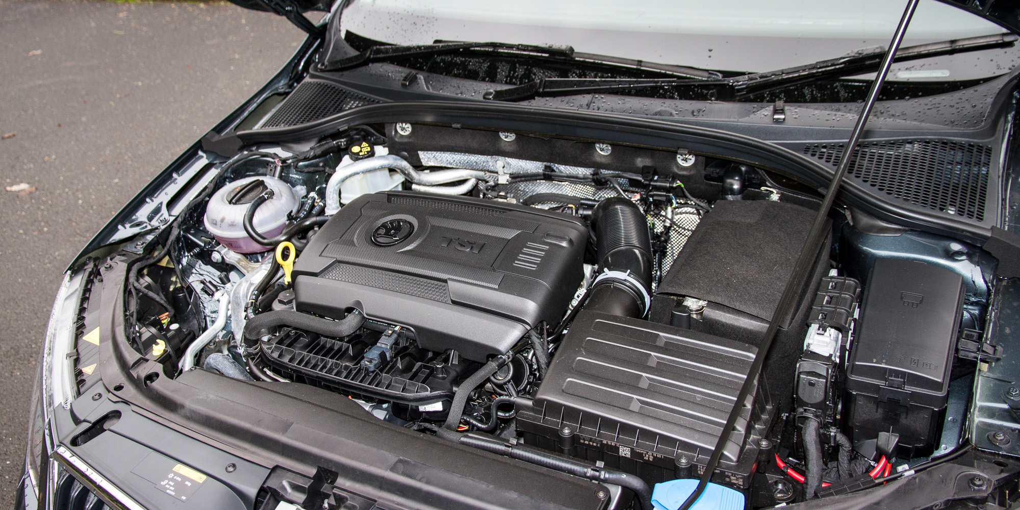 2016 Skoda Octavia Scout Engine (Photo 2 of 23)