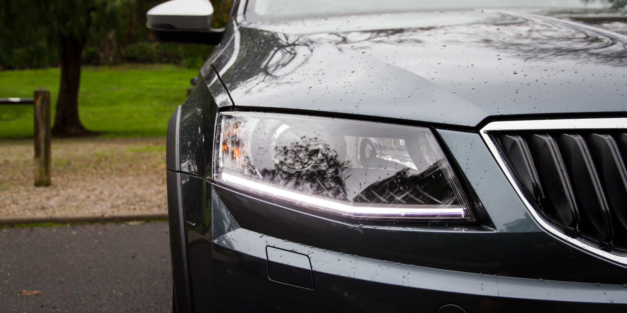2016 Skoda Octavia Scout Exterior Headlamp (Photo 4 of 23)