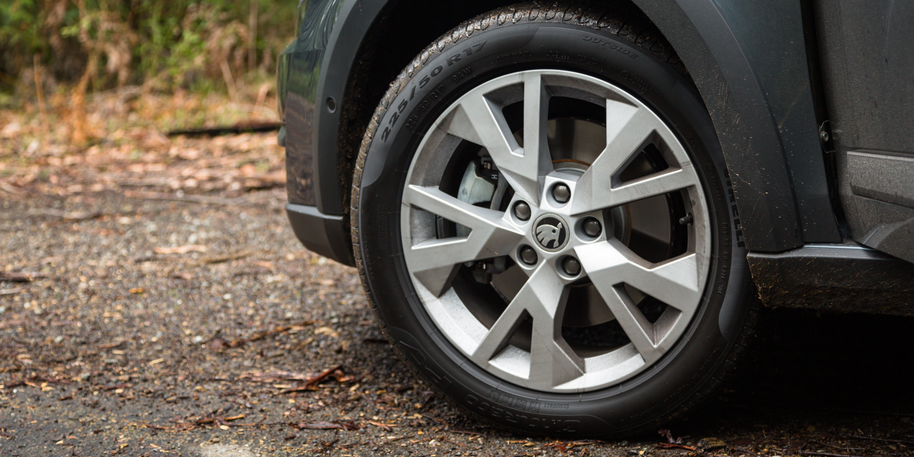 2016 Skoda Octavia Scout Exterior Wheel Trim (Photo 9 of 23)