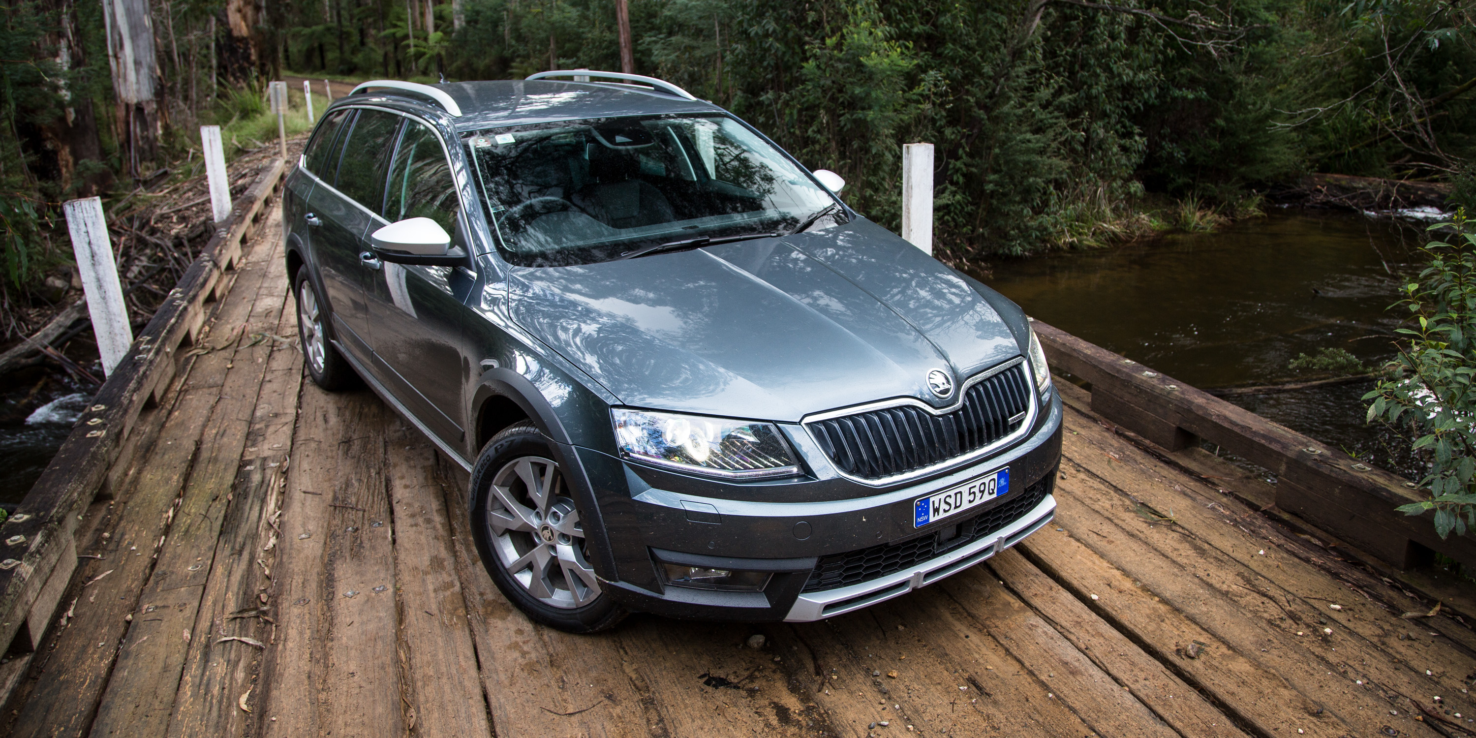 2016 Skoda Octavia Scout (Photo 1 of 23)
