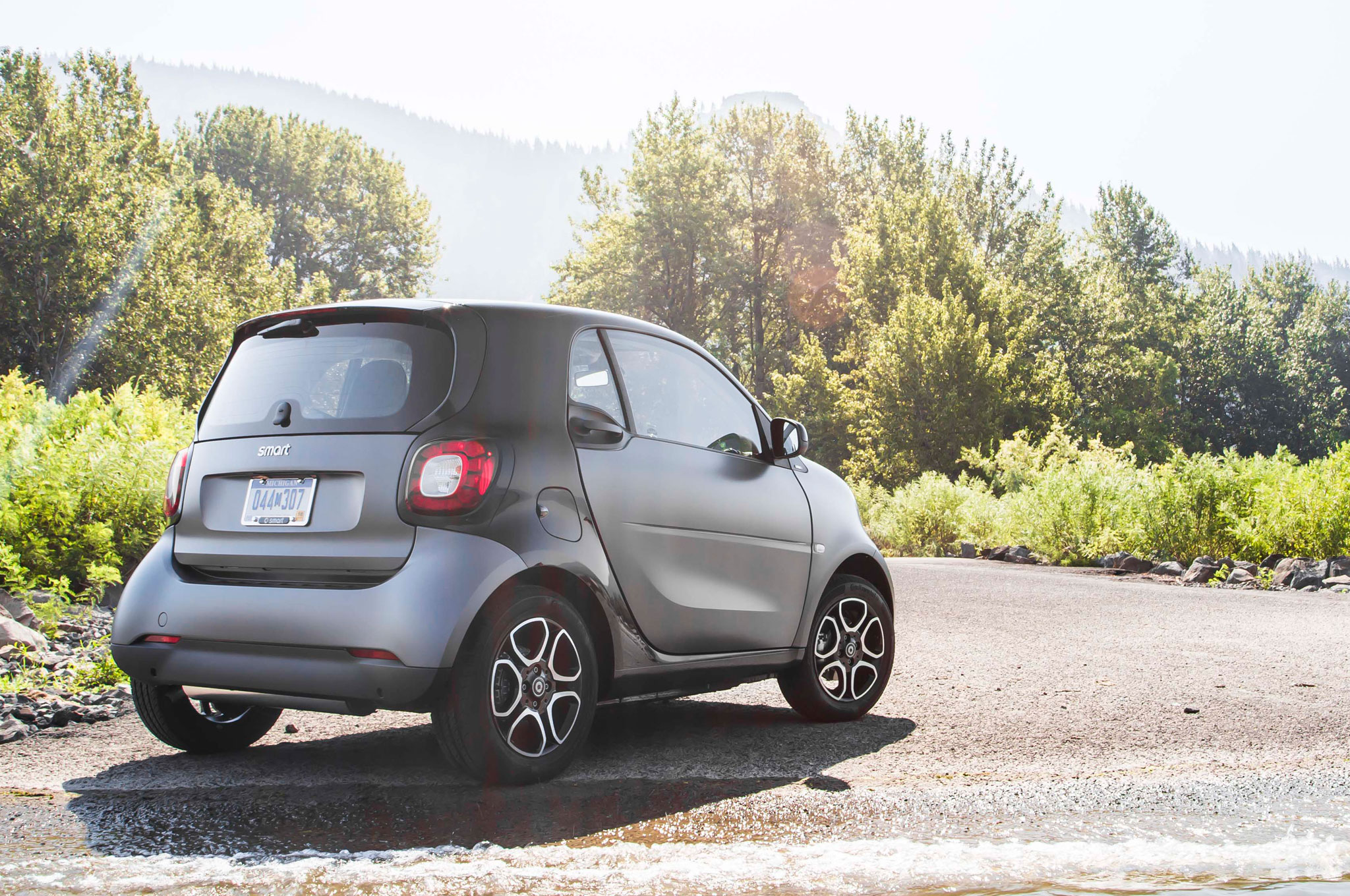 2016 Smart Fortwo Rear Exterior Preview (Photo 6 of 17)
