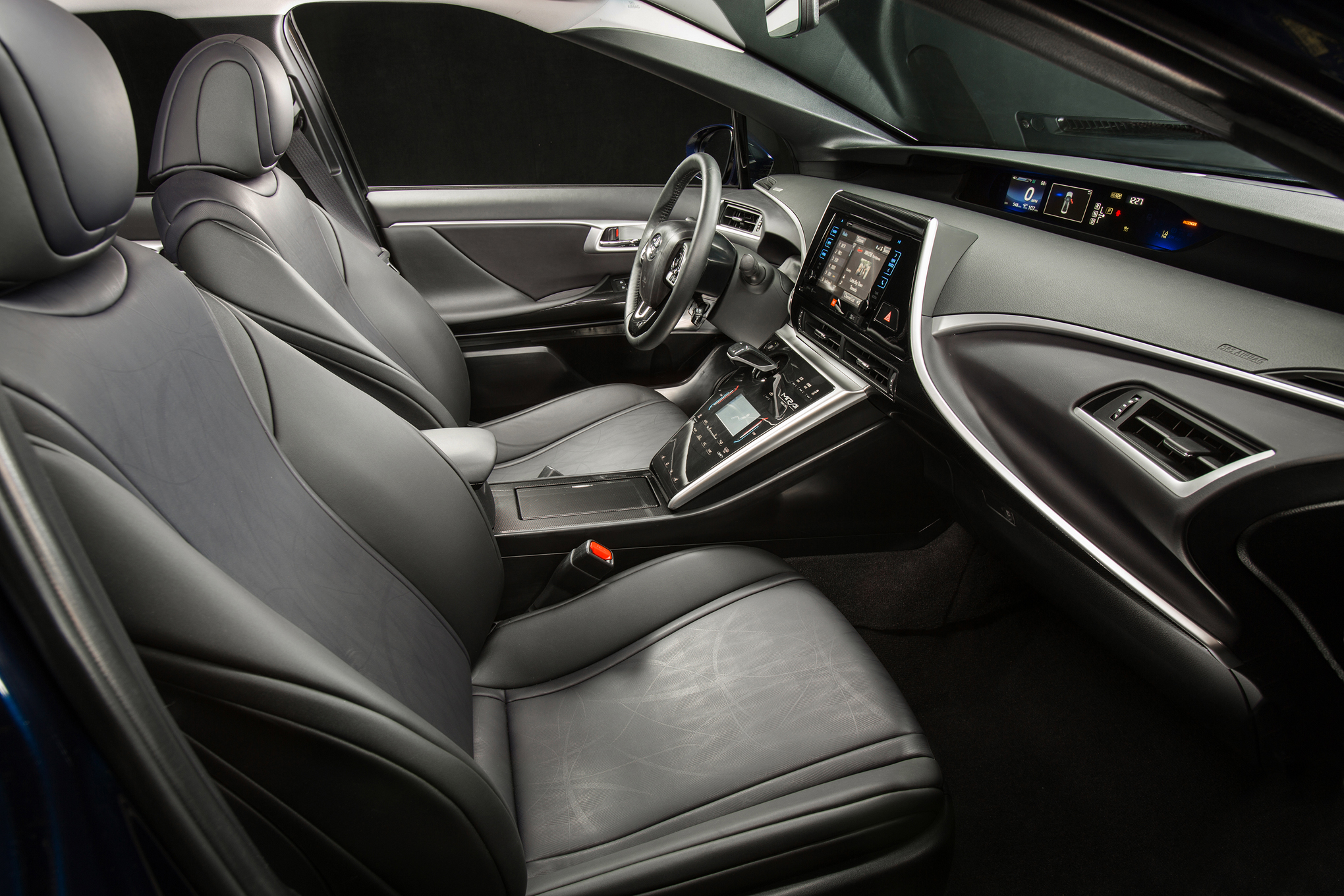 2016 Toyota Mirai Front Seats (View 14 of 18)