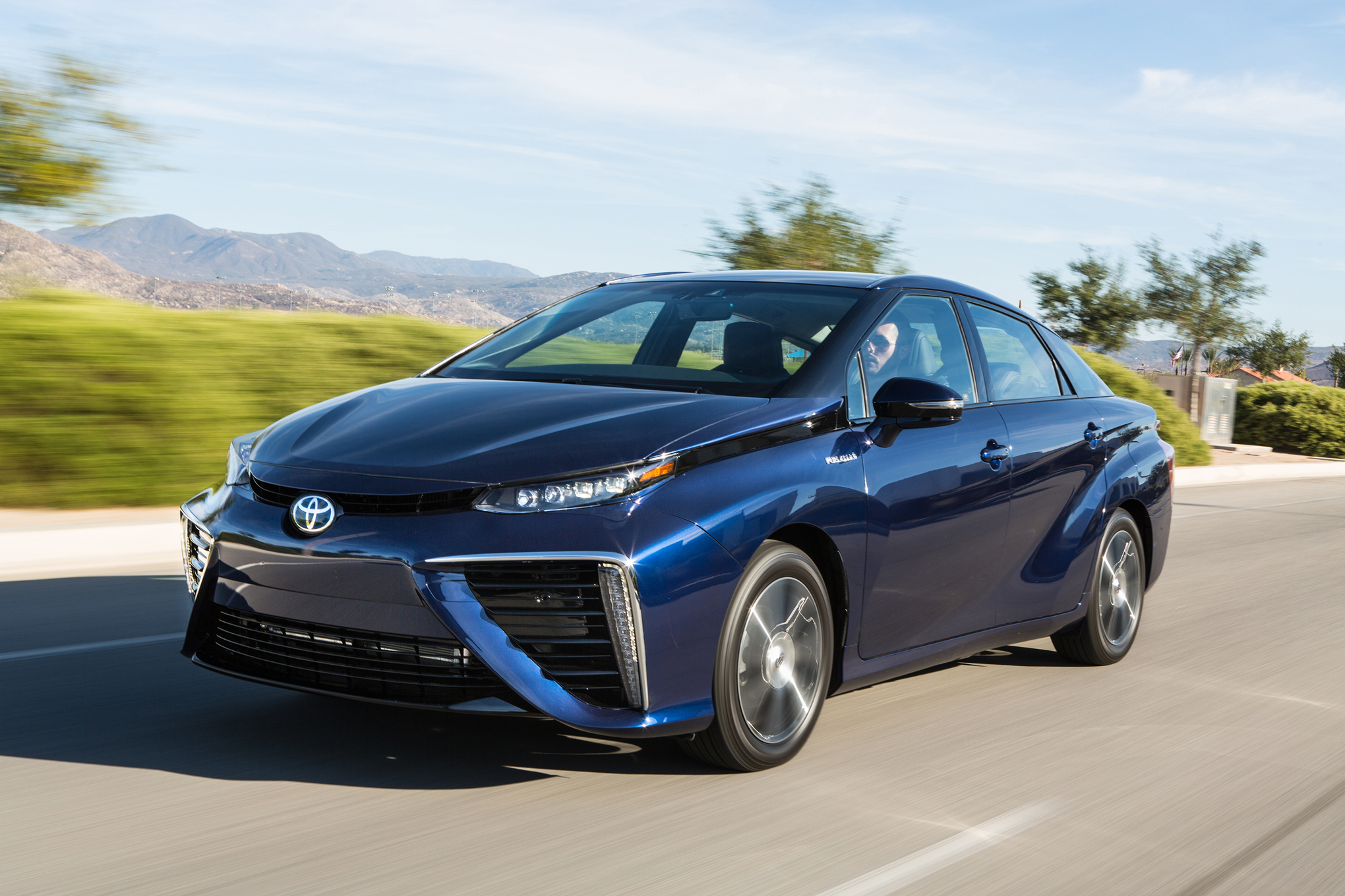 Featured Image of 2016 Toyota Mirai