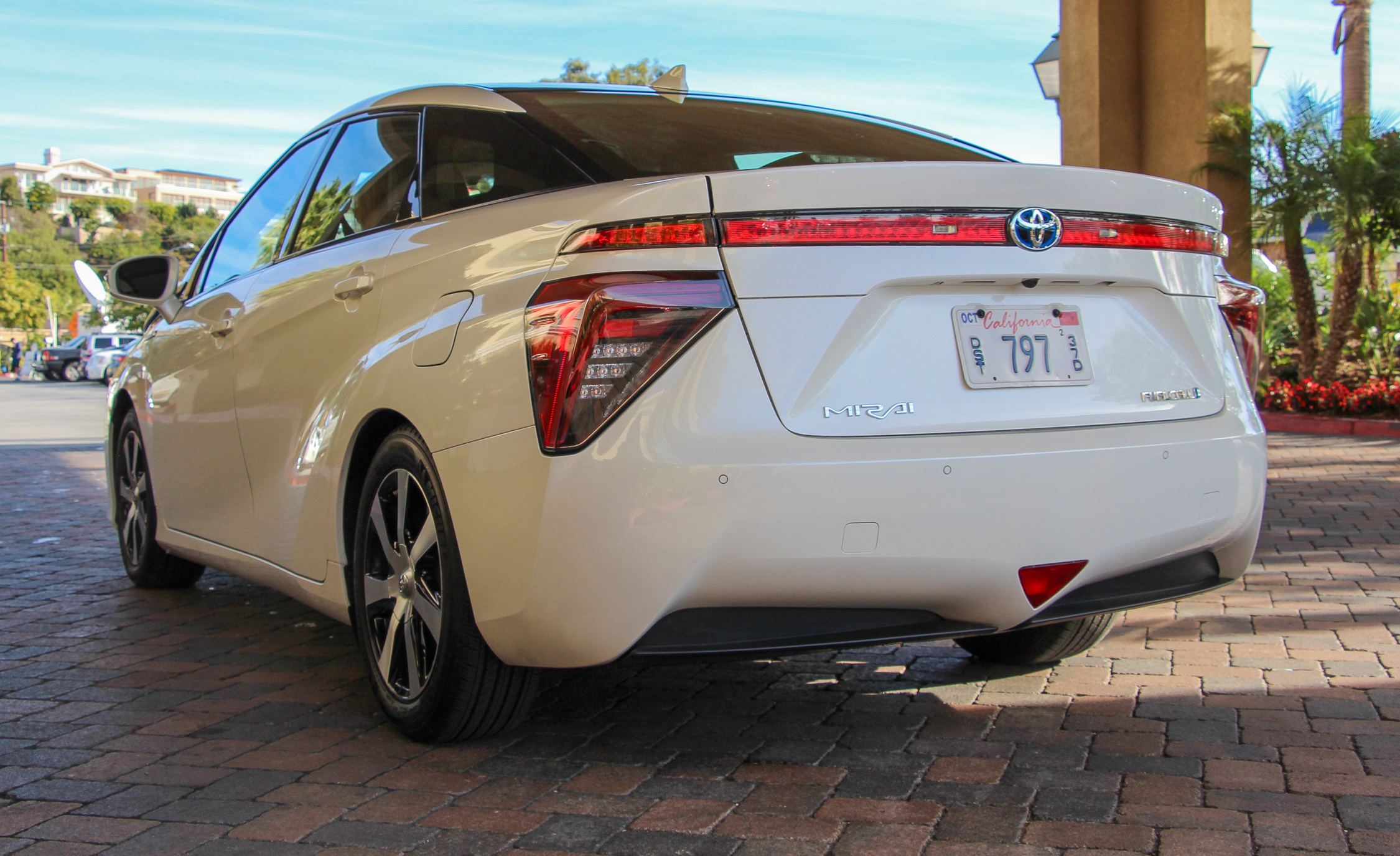 2016 Toyota Mirai White Exterior Rear And Side (View 6 of 18)