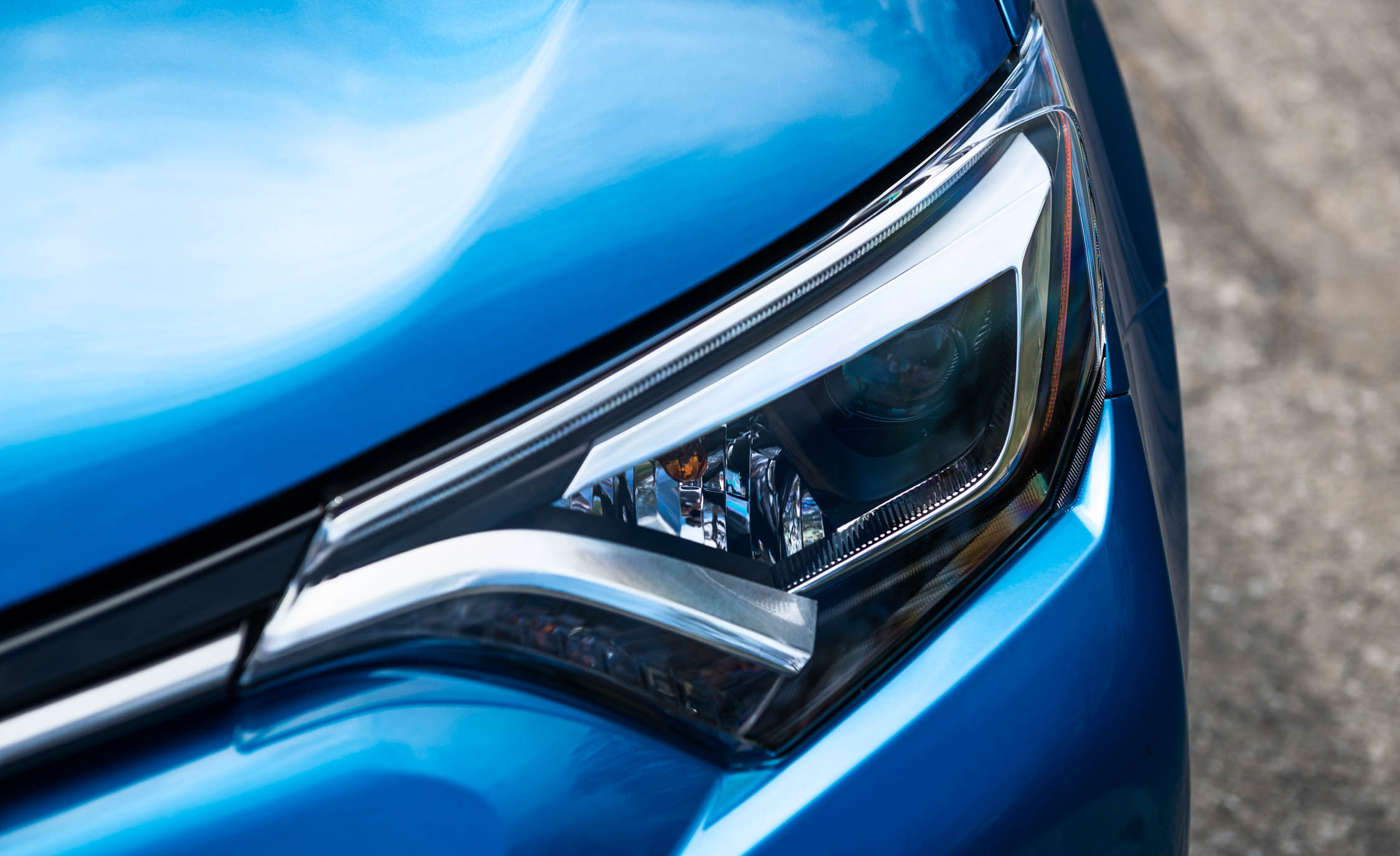 2016 Toyota Rav4 Hybrid Exterior Headlight (Photo 7 of 26)