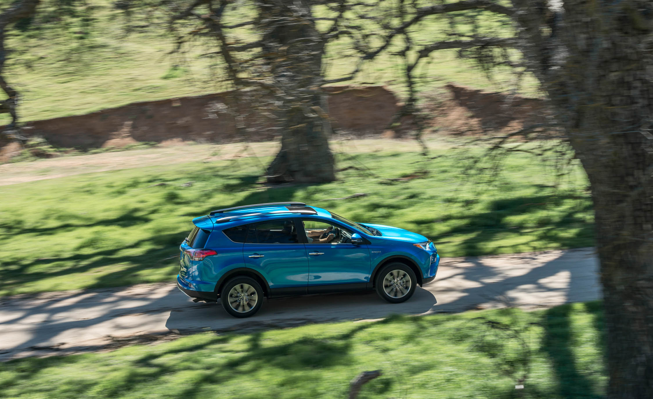 2016 Toyota Rav4 Hybrid Test Top View (Photo 26 of 26)