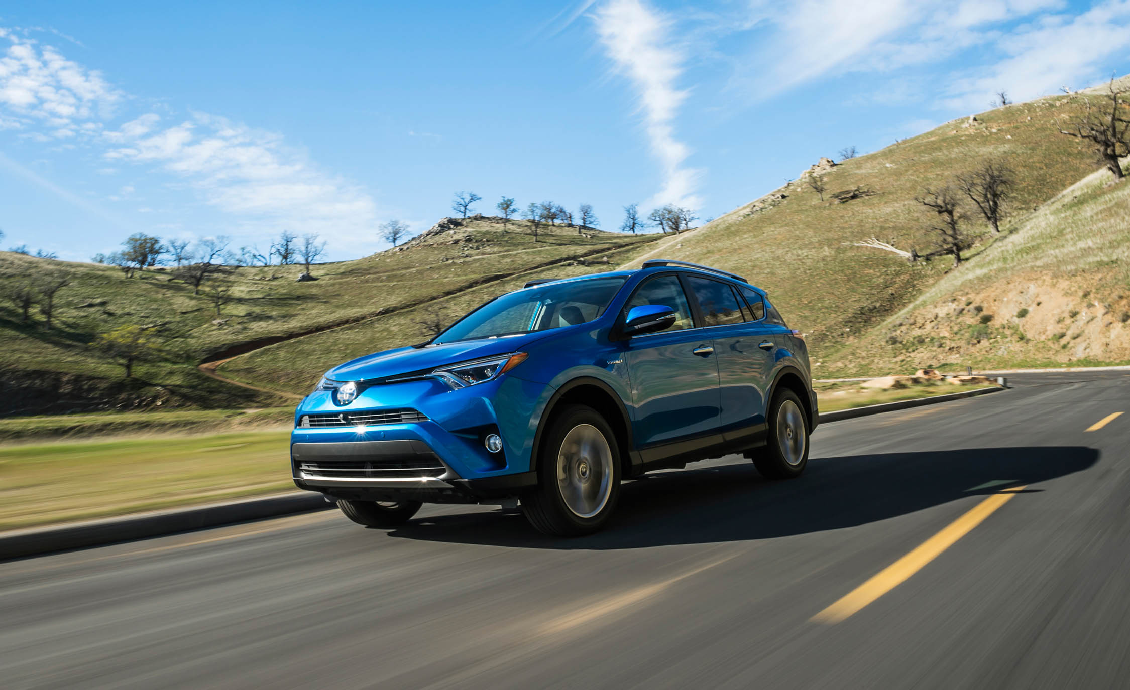 2016 Toyota Rav4 Hybrid (Photo 1 of 26)
