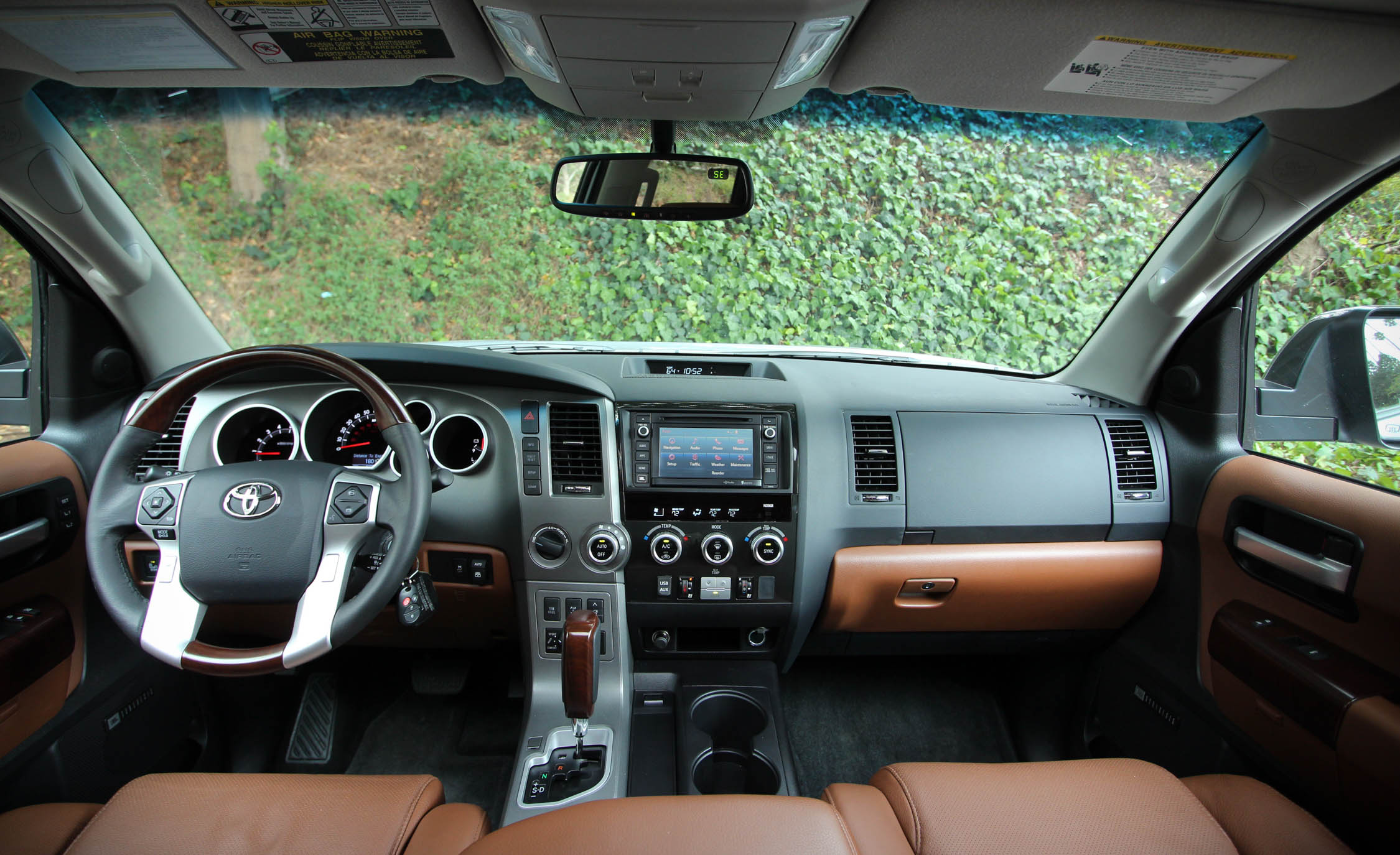 2016 Toyota Sequoia (Photo 9 of 15)