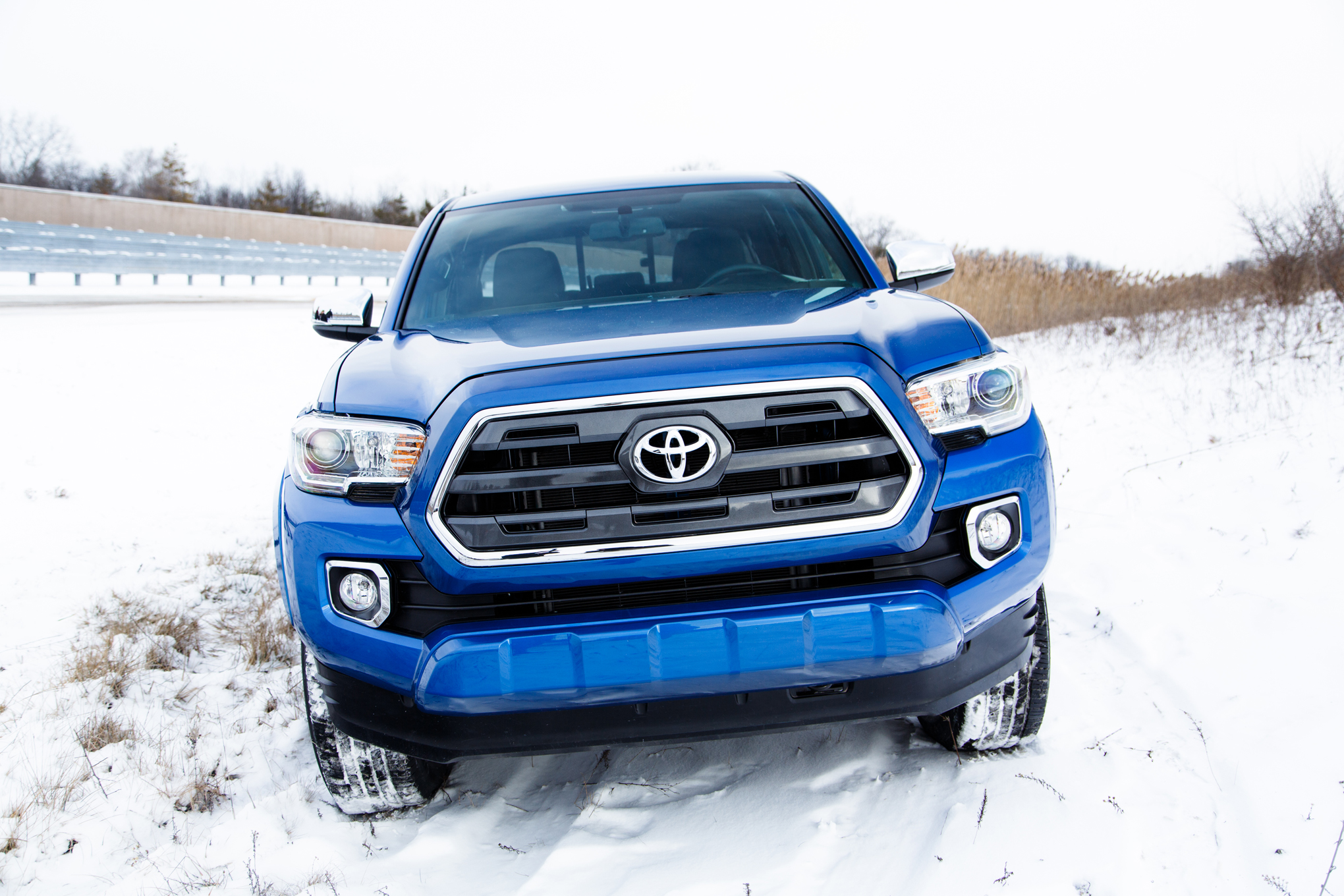 2016 Toyota Tacoma Front End View (Photo 3 of 10)