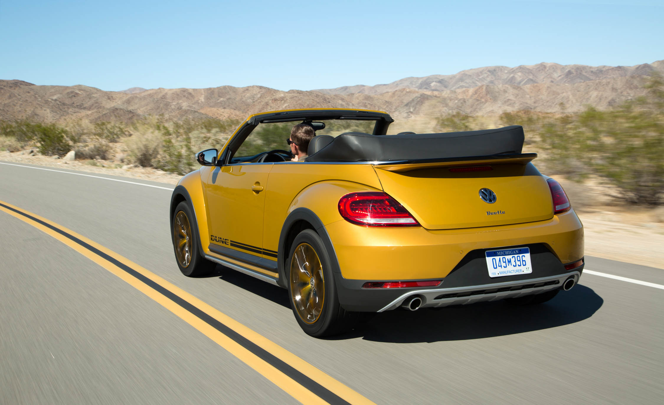 2016 Volkswagen Beetle Dune Convertible Test Rear (View 21 of 32)