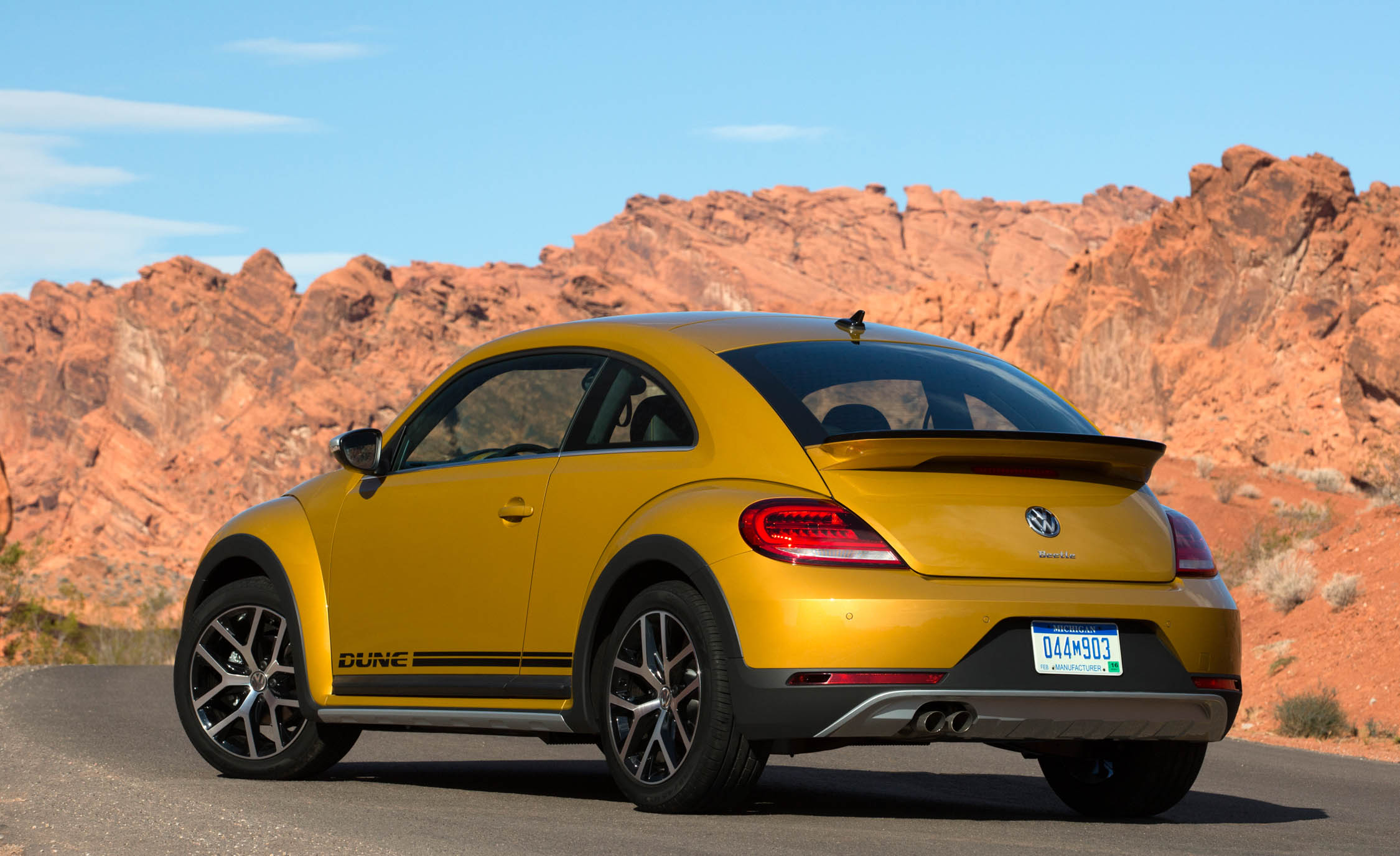 2016 Volkswagen Beetle Dune Coupe Exterior Full Rear And Side (Photo 13 of 32)