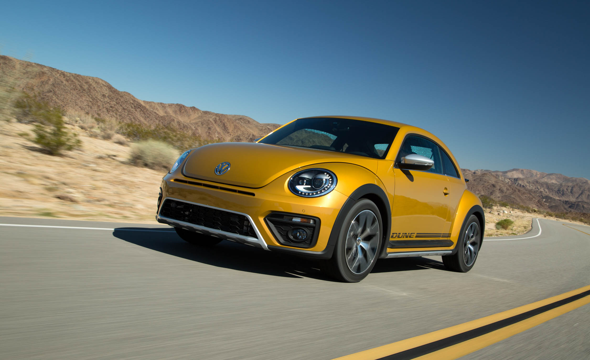 2016 Volkswagen Beetle Dune Coupe Front Side (View 28 of 32)