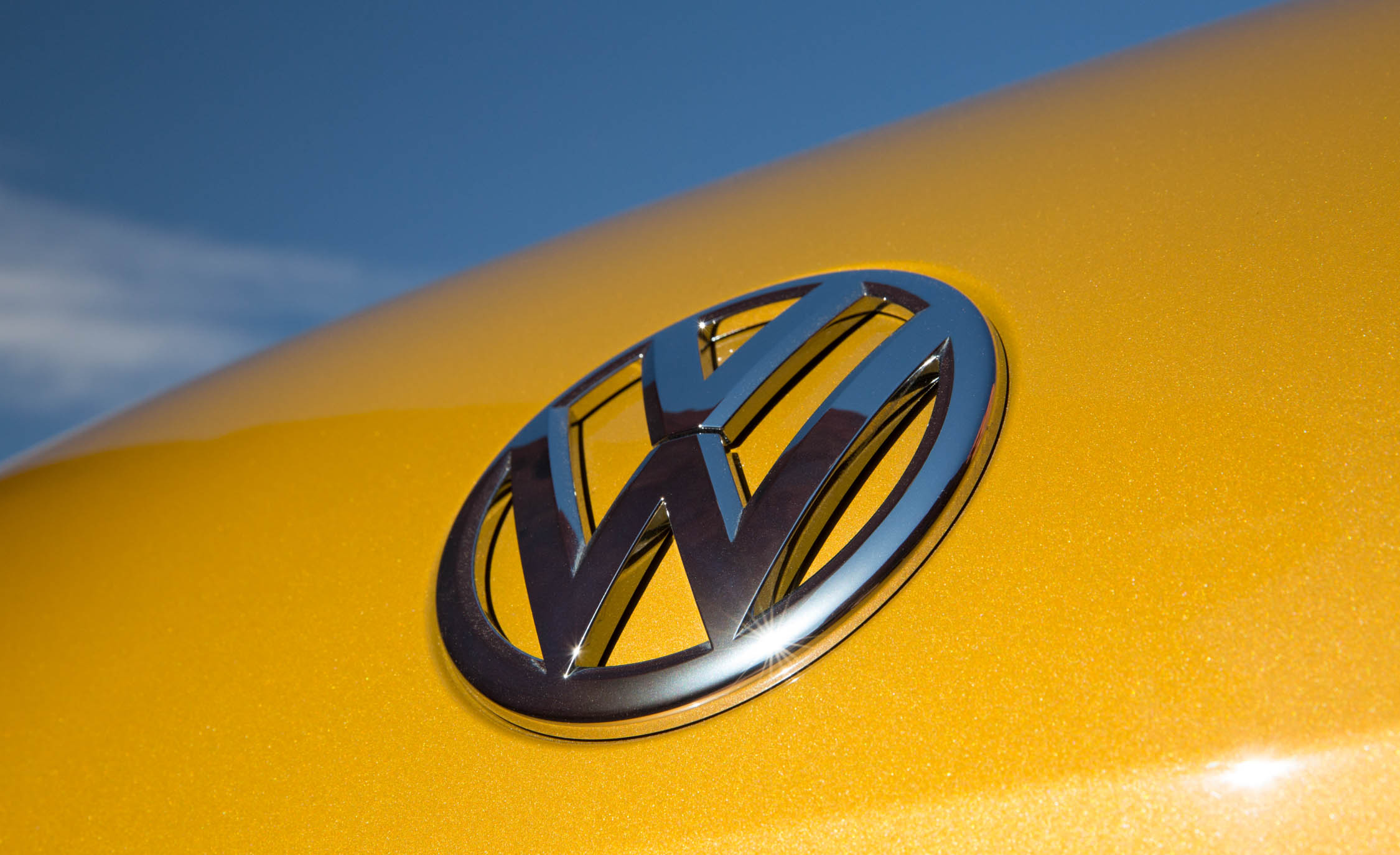 2016 Volkswagen Beetle Dune Exterior Badge Front (Photo 17 of 32)