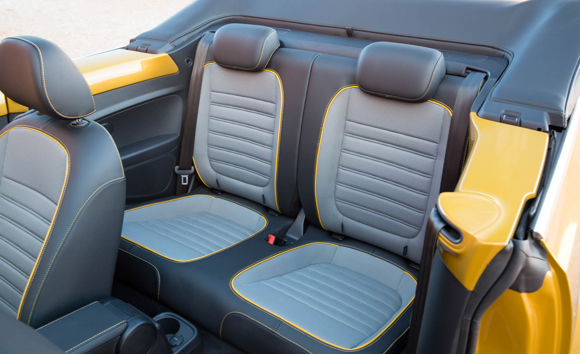 2016 Volkswagen Beetle Dune Interior Rear Seats (Photo 28 of 32)
