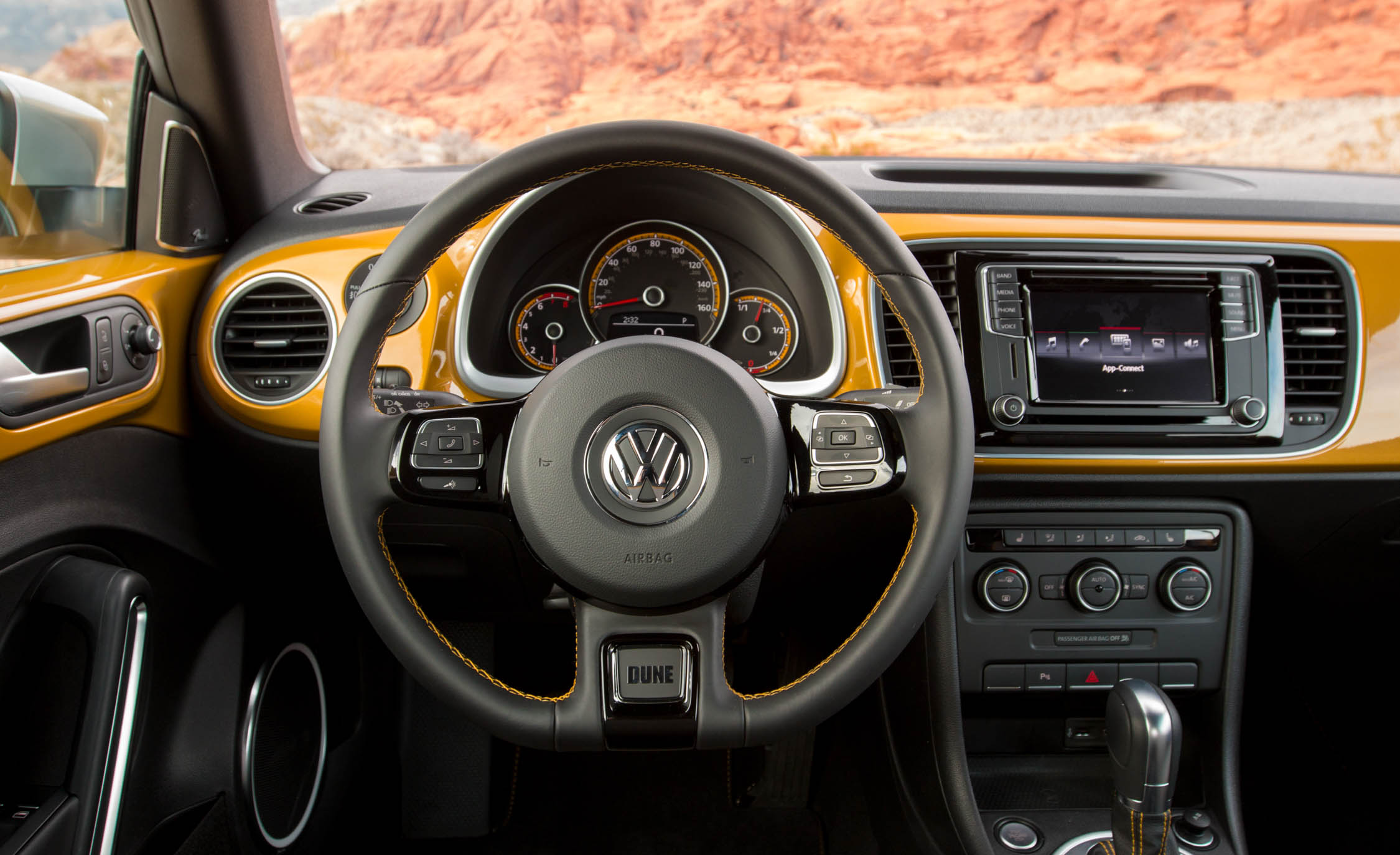 2016 Volkswagen Beetle Dune Interior Steering And Speedometer (Photo 29 of 32)