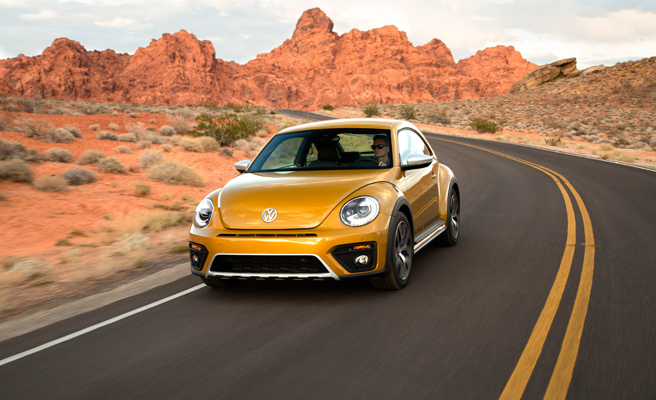 2016 Volkswagen Beetle Dune Test Front View (View 11 of 32)