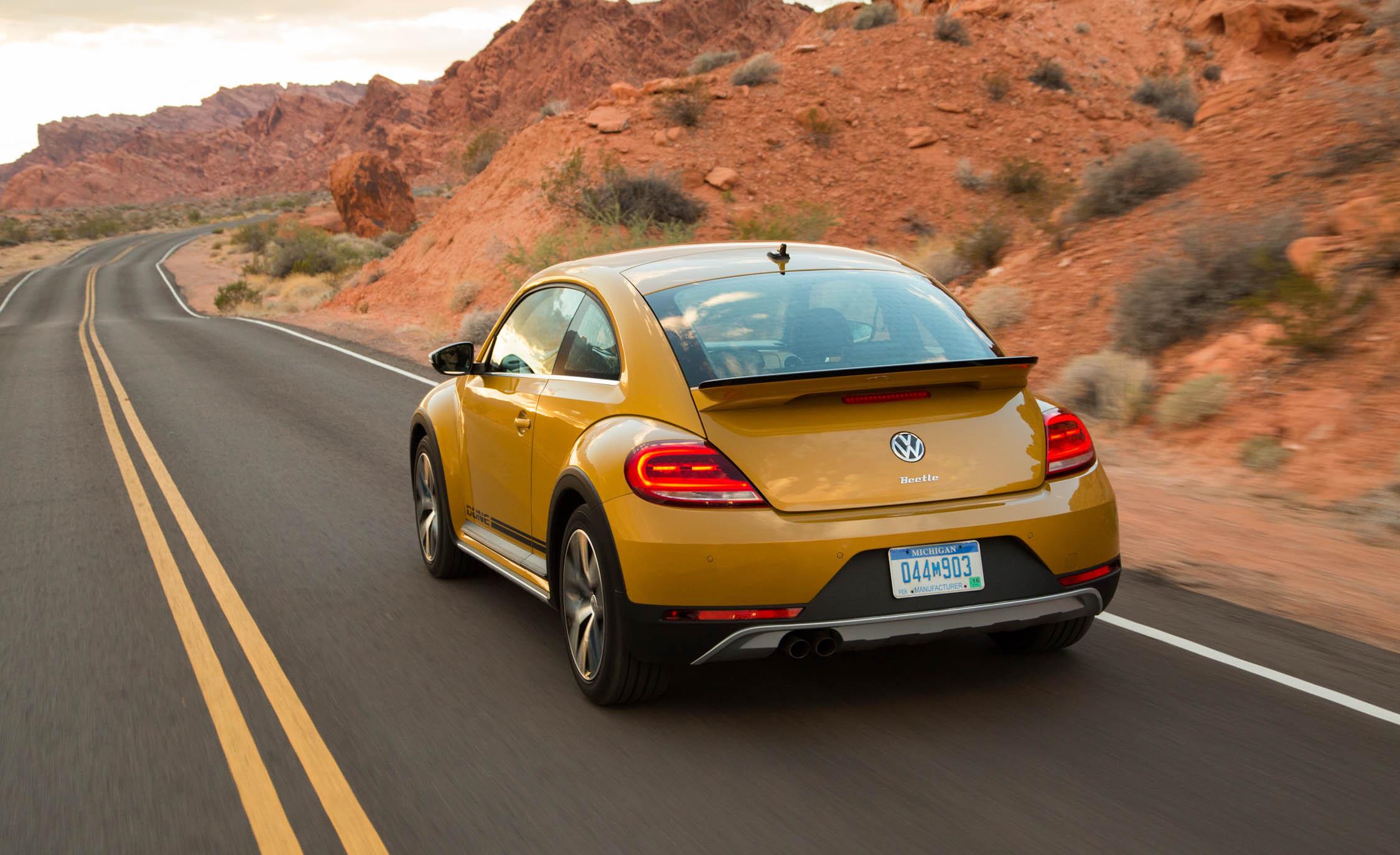 2016 Volkswagen Beetle Dune Test Rear View (View 12 of 32)