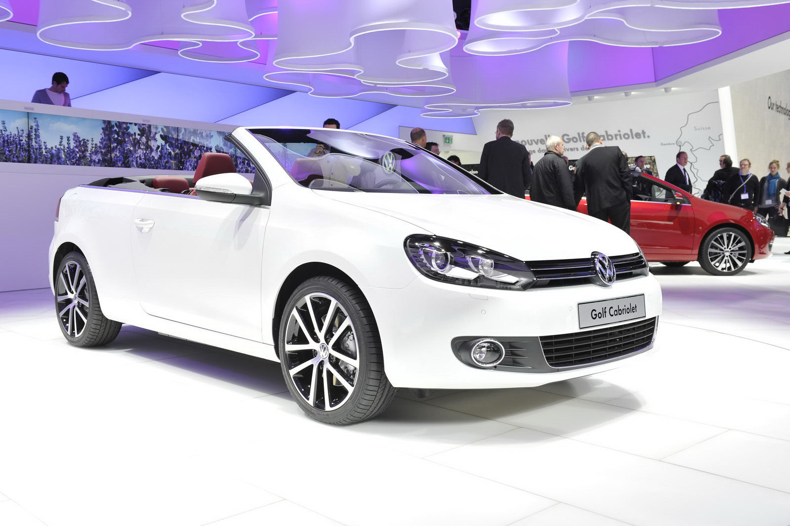2016 Volkswagen Golf Cabriolet Exterior (Photo 1 of 10)