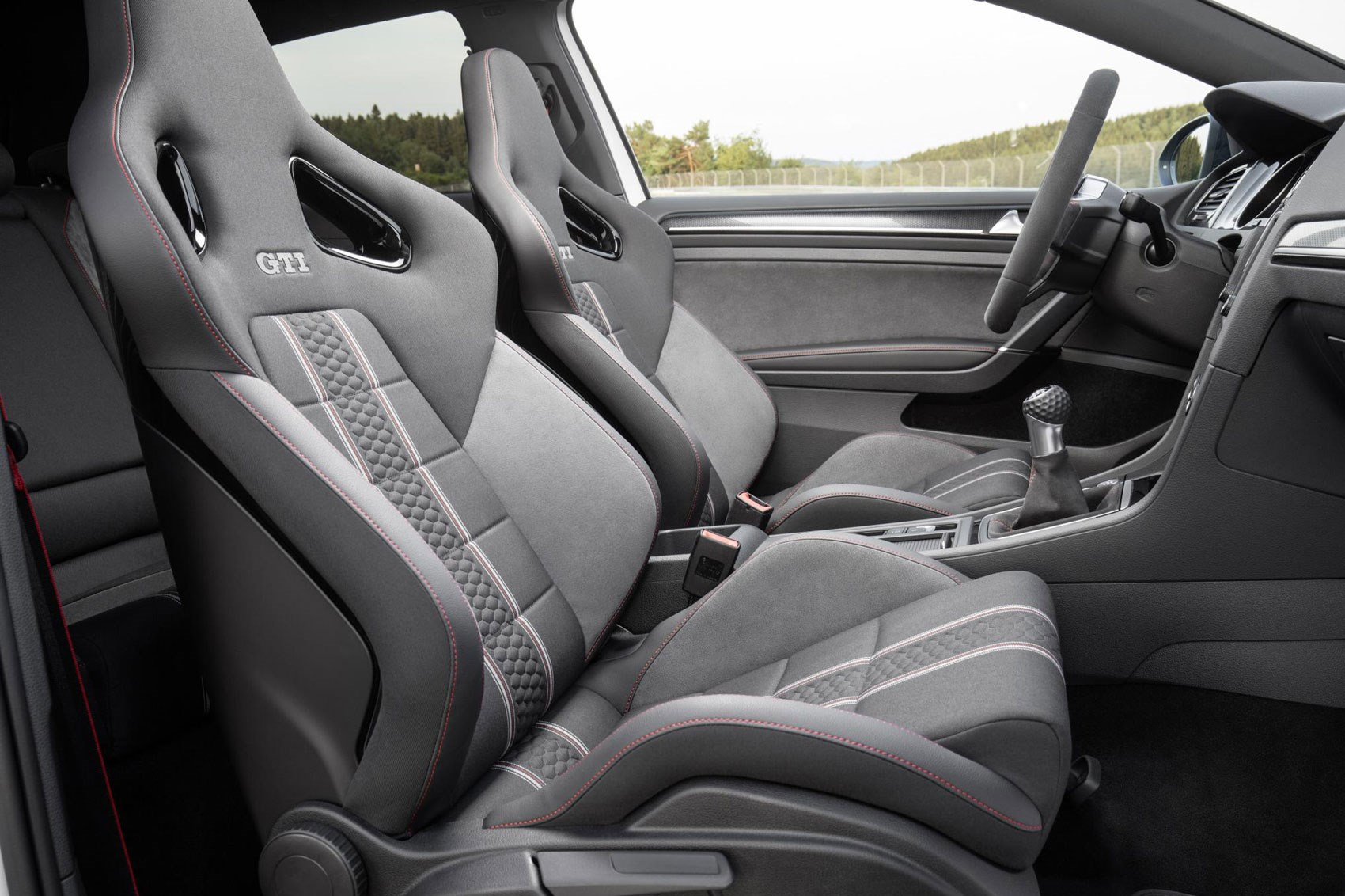 2016 Volkswagen Golf Gti Clubsport Front Seats Interior (Photo 8 of 10)