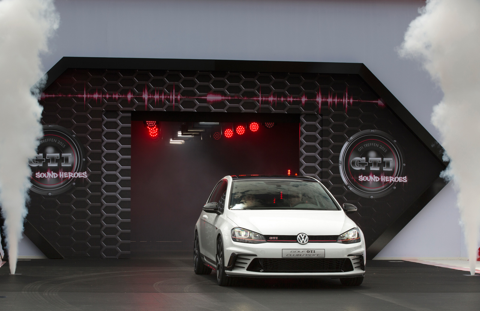 2016 Volkswagen Golf Gti Clubsport (Photo 4 of 10)