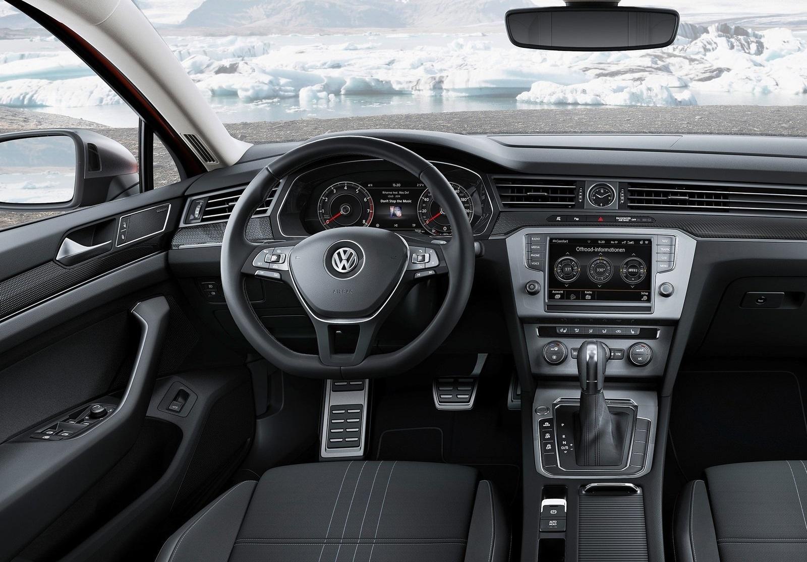 2016 Volkswagen Passat Alltrack Cockpit And Speedometer (View 11 of 18)