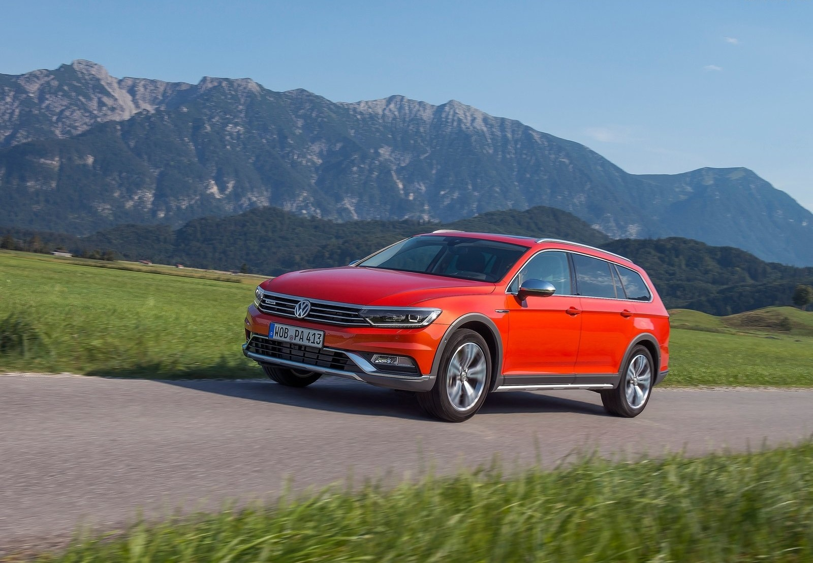 2016 Volkswagen Passat Alltrack Performance (View 3 of 18)