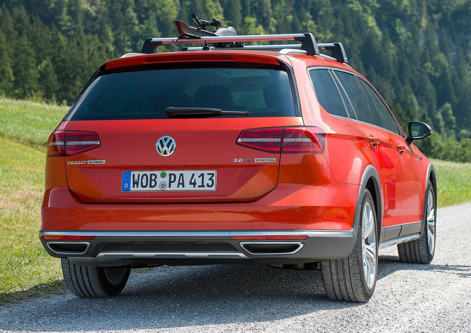 2016 Volkswagen Passat Alltrack Rear Exterior (Photo 13 of 18)