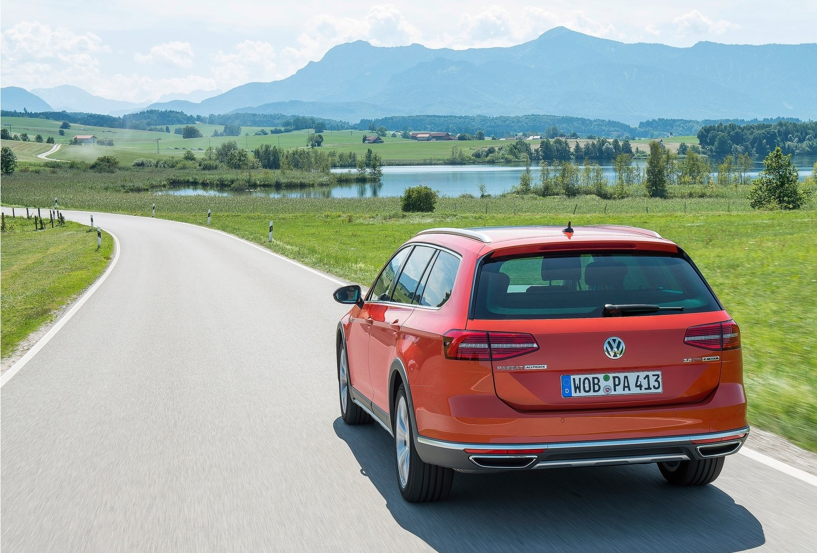 2016 Volkswagen Passat Alltrack Test (View 8 of 18)