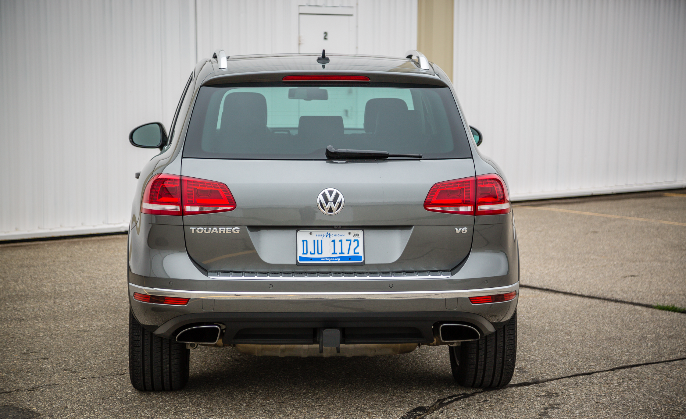 2016 Volkswagen Touareg Exterior Rear End (View 16 of 16)