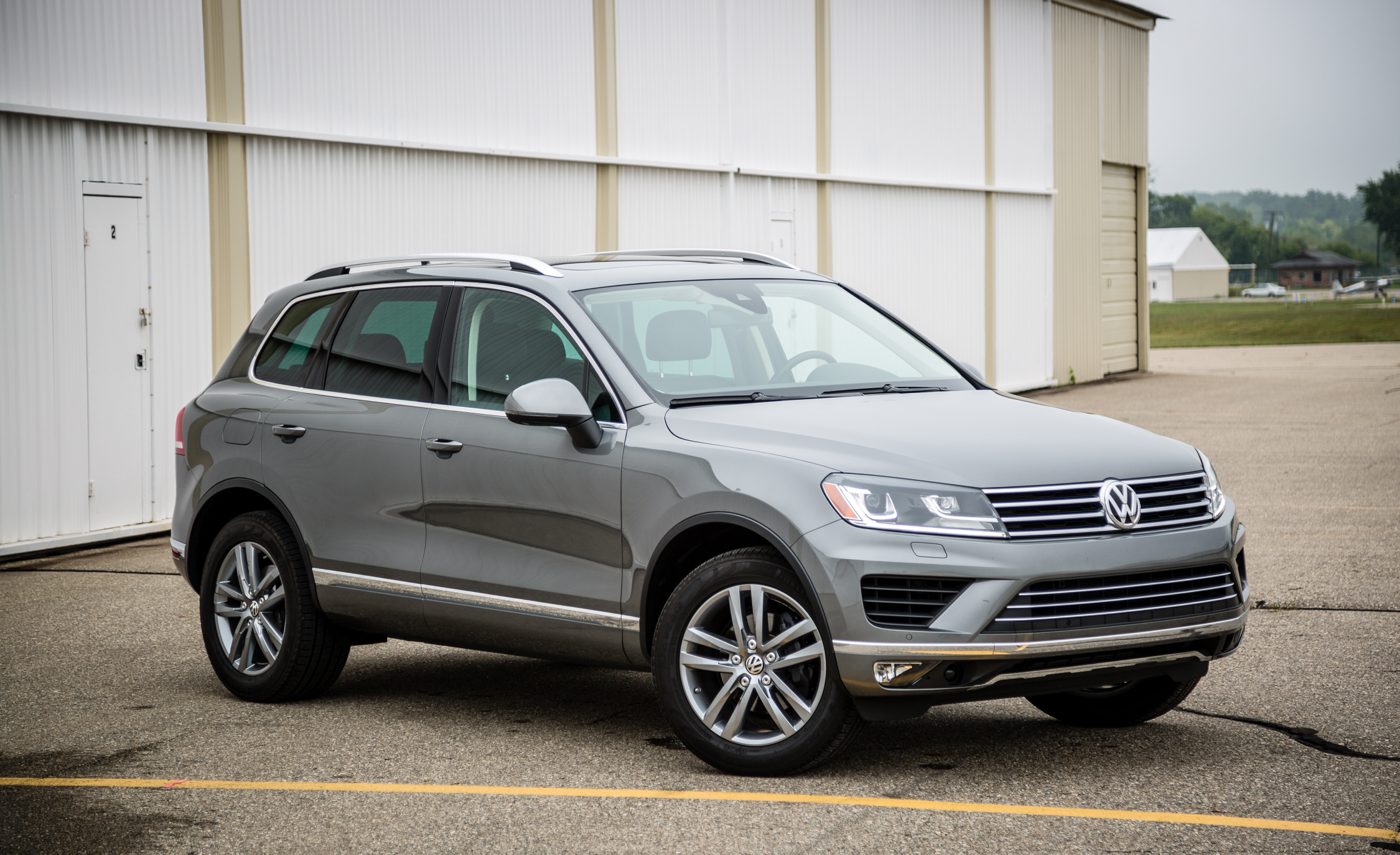 Featured Image of 2016 Volkswagen Touareg