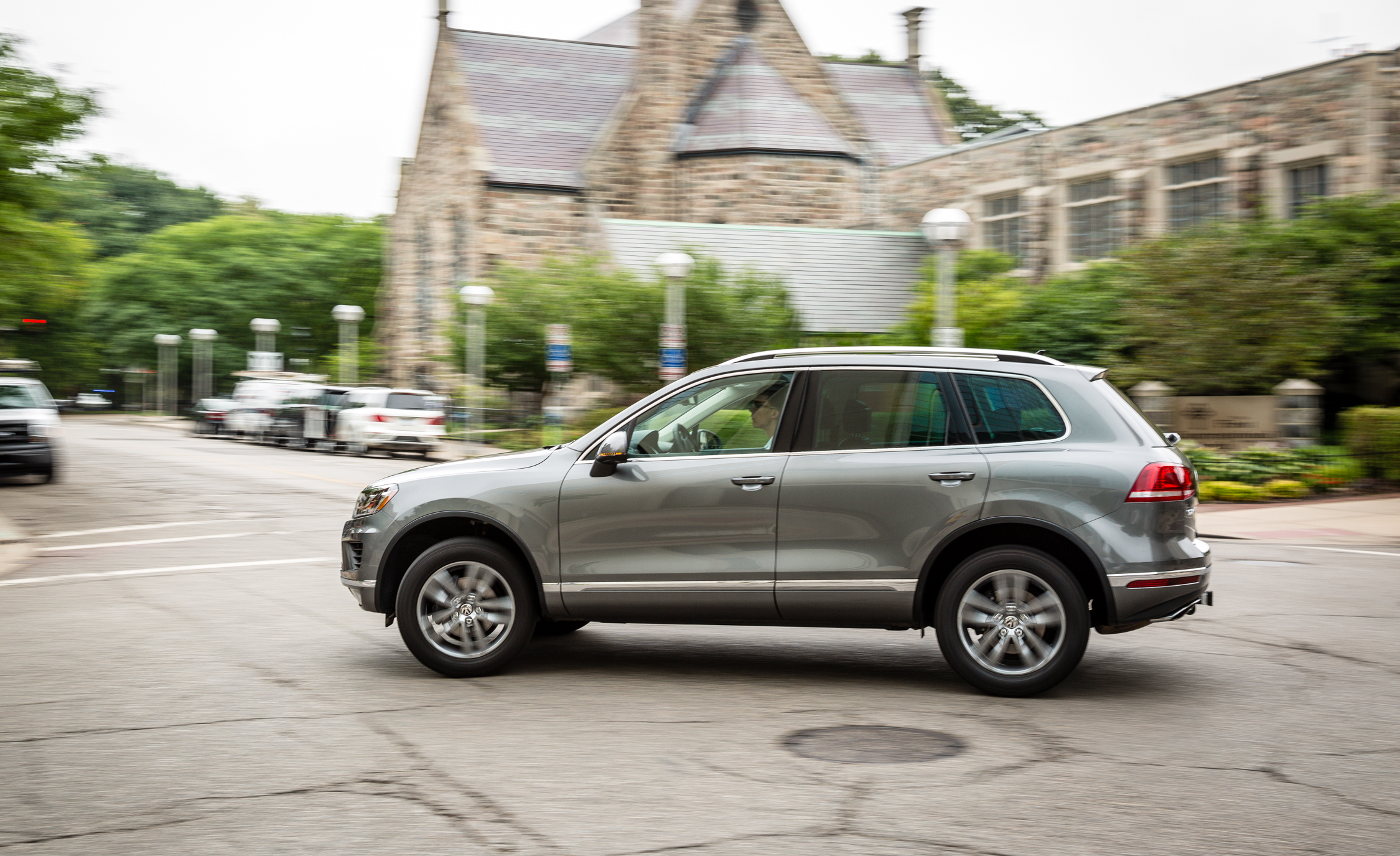 2016 Volkswagen Touareg Test Drive Preview (View 7 of 16)