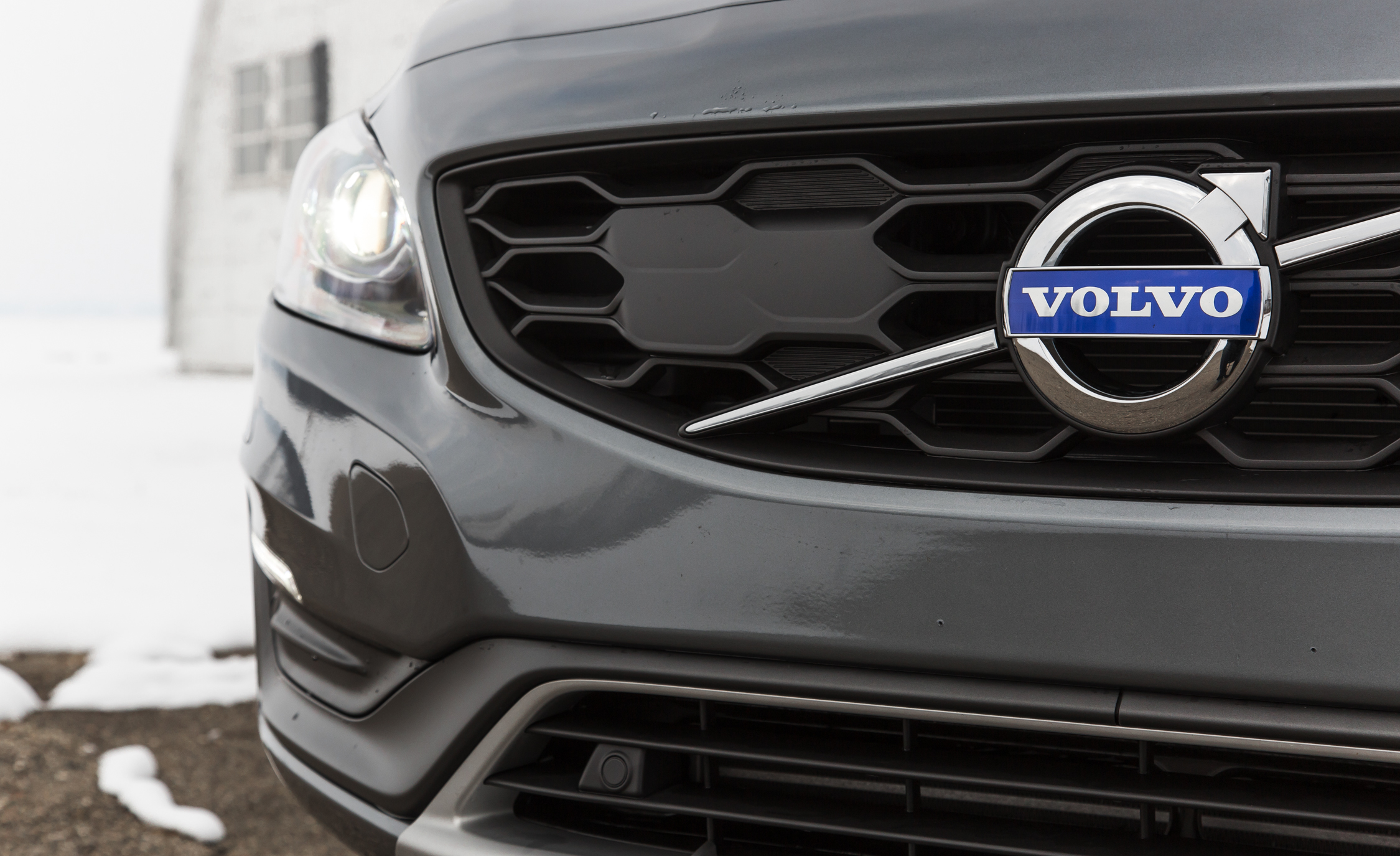 2016 Volvo S60 Cross Country Exterior Grille (Photo 7 of 21)