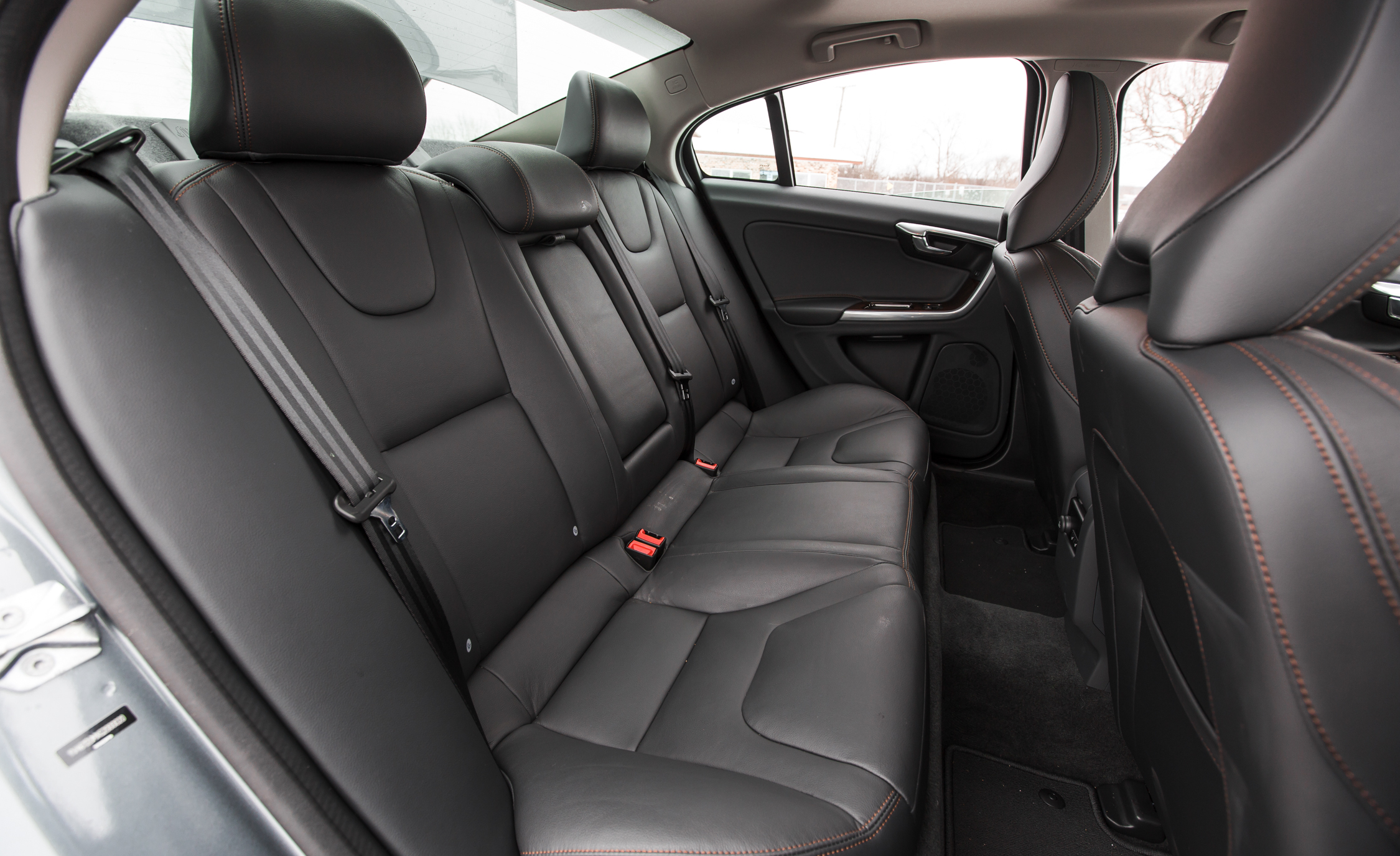 2016 Volvo S60 Cross Country Interior Rear Passenger Seats (Photo 19 of 21)