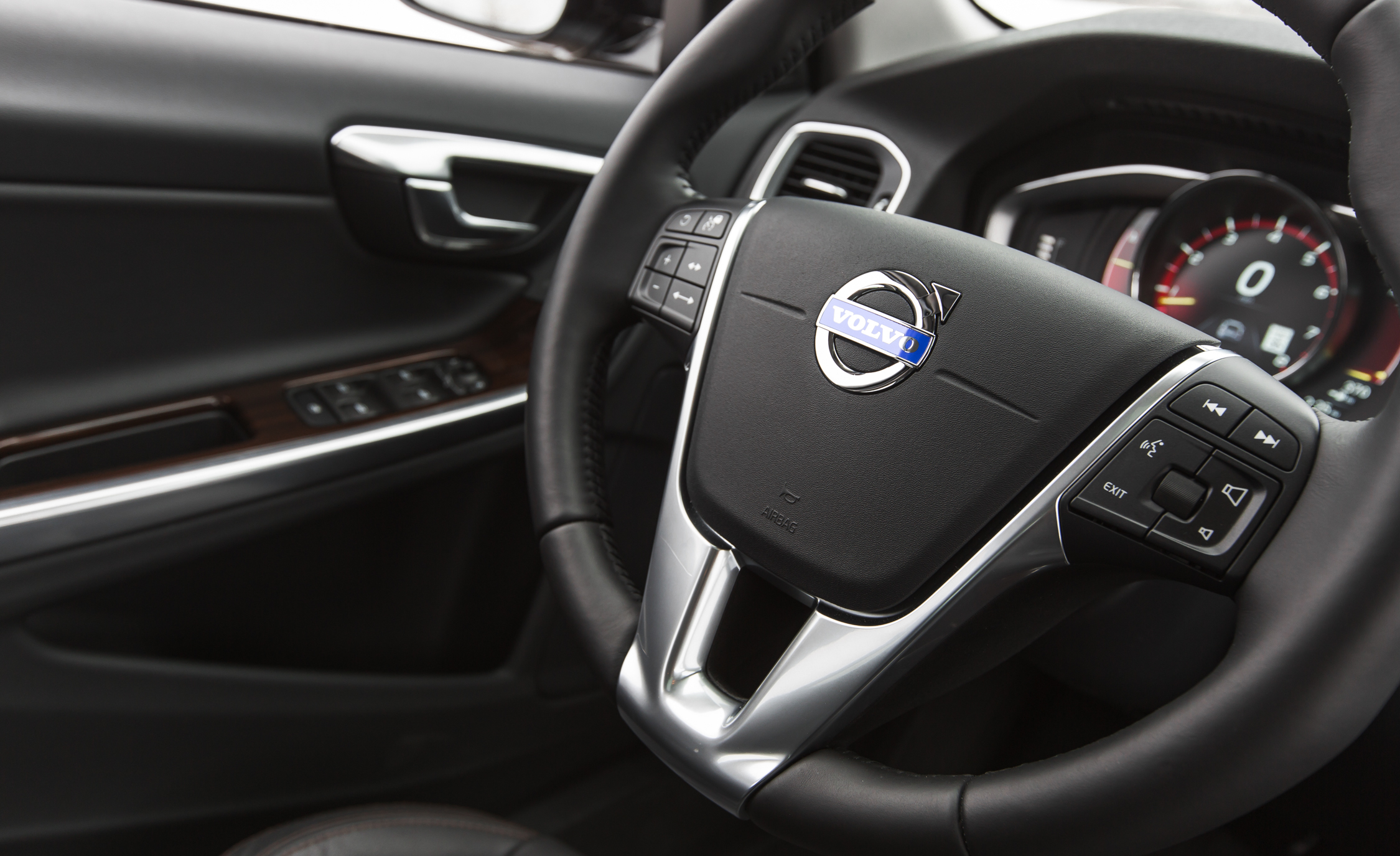 2016 Volvo S60 Cross Country Interior Steering (Photo 21 of 21)