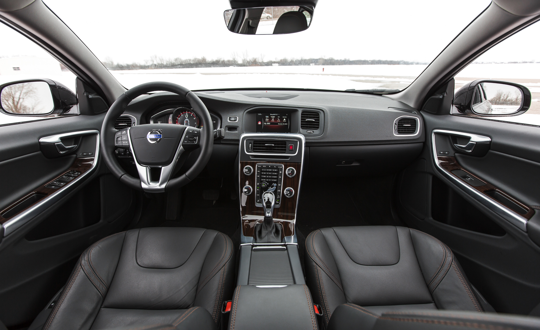 2016 Volvo S60 Cross Country Interior (Photo 11 of 21)