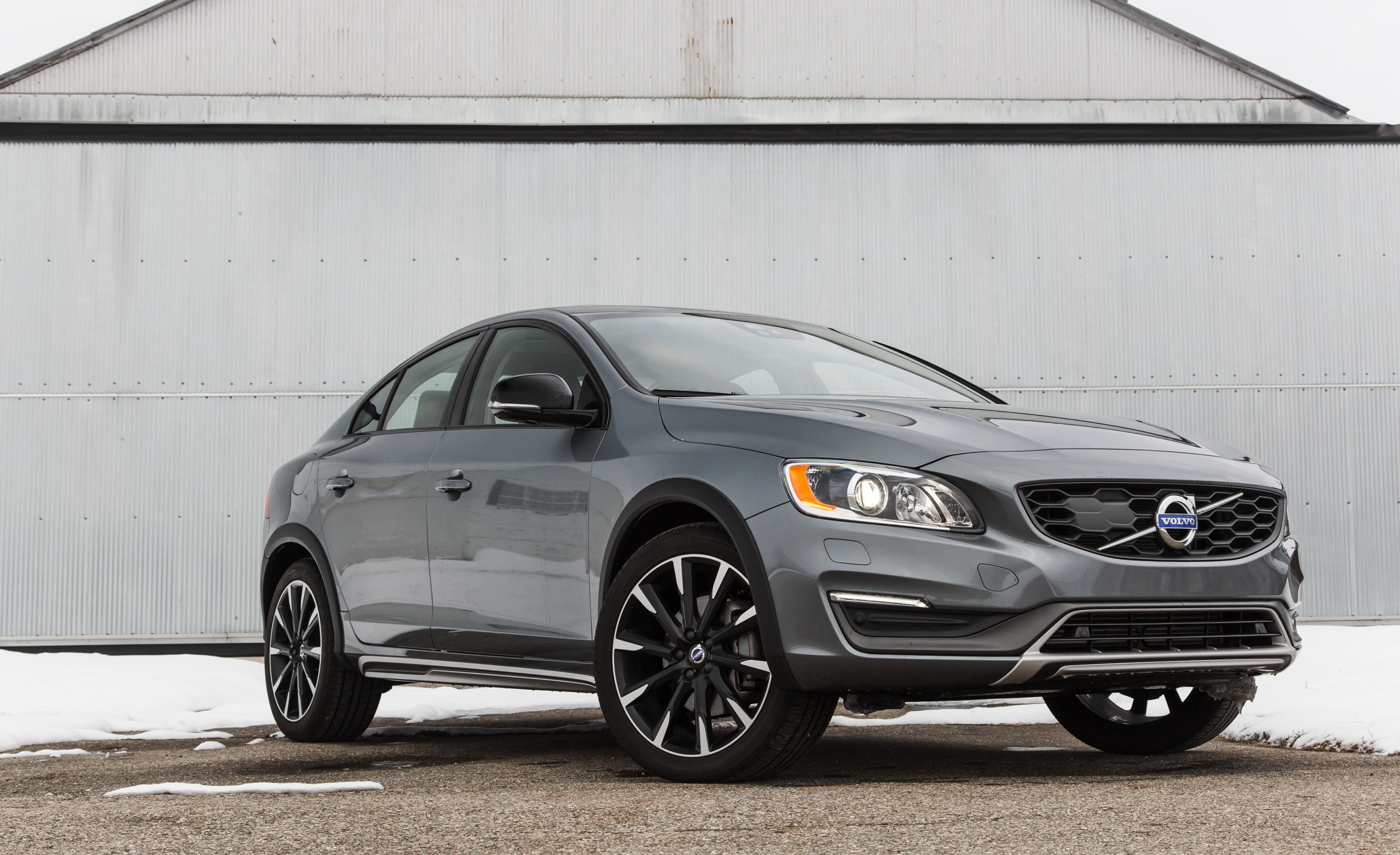 Featured Image of 2016 Volvo S60 Cross Country