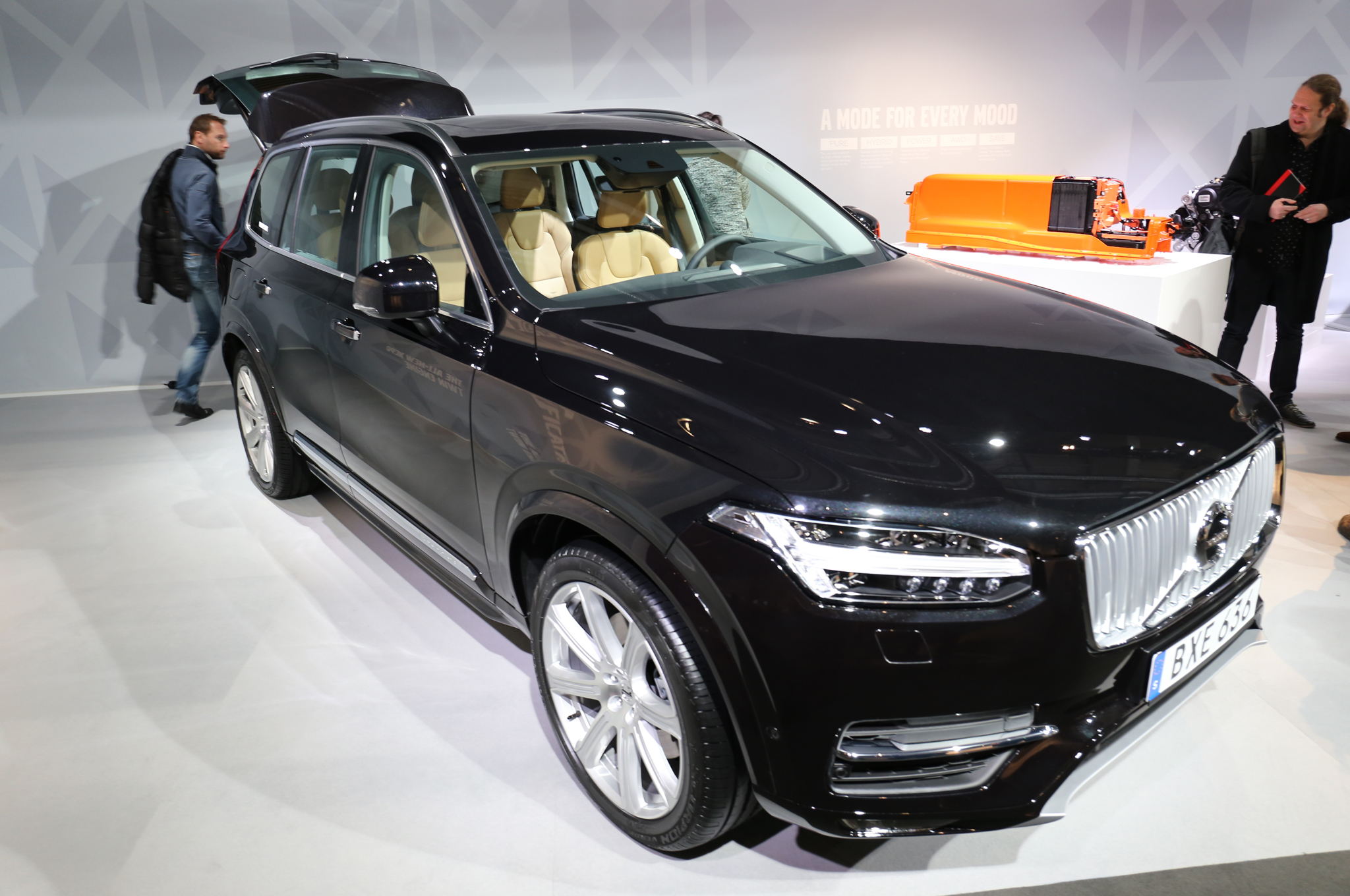 2016 Volvo Xc90 T8 Auto Show Preview (Photo 9 of 18)