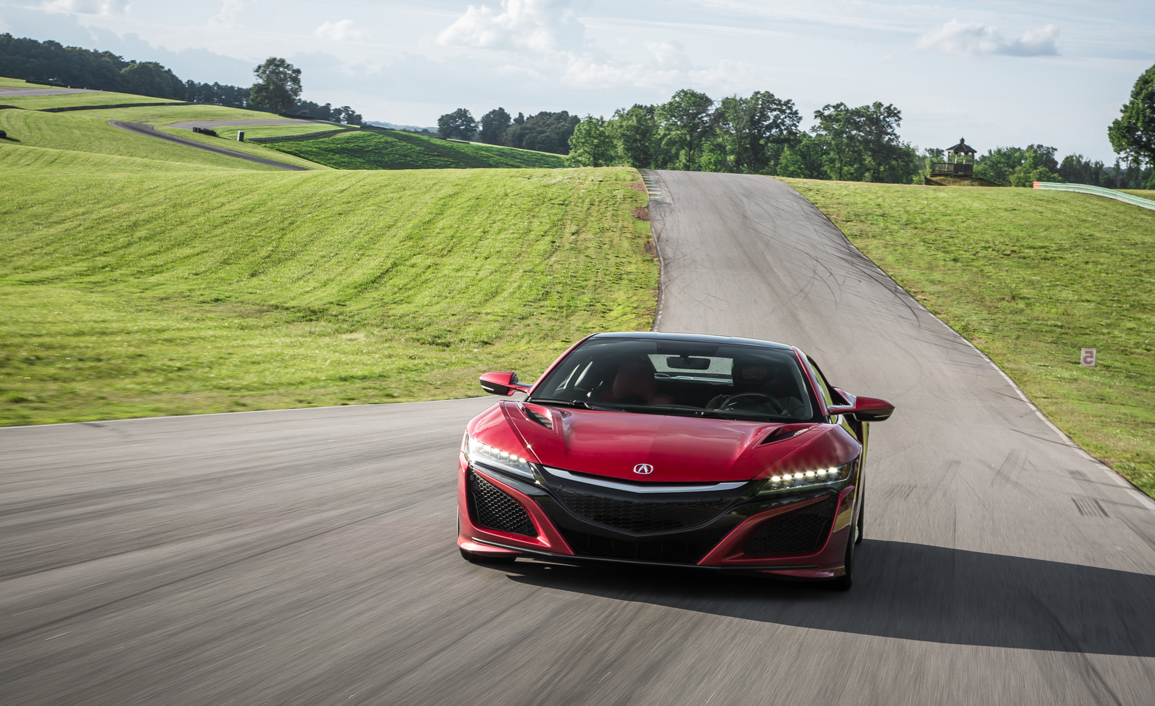2017 Acura NSX (Photo 4 of 19)