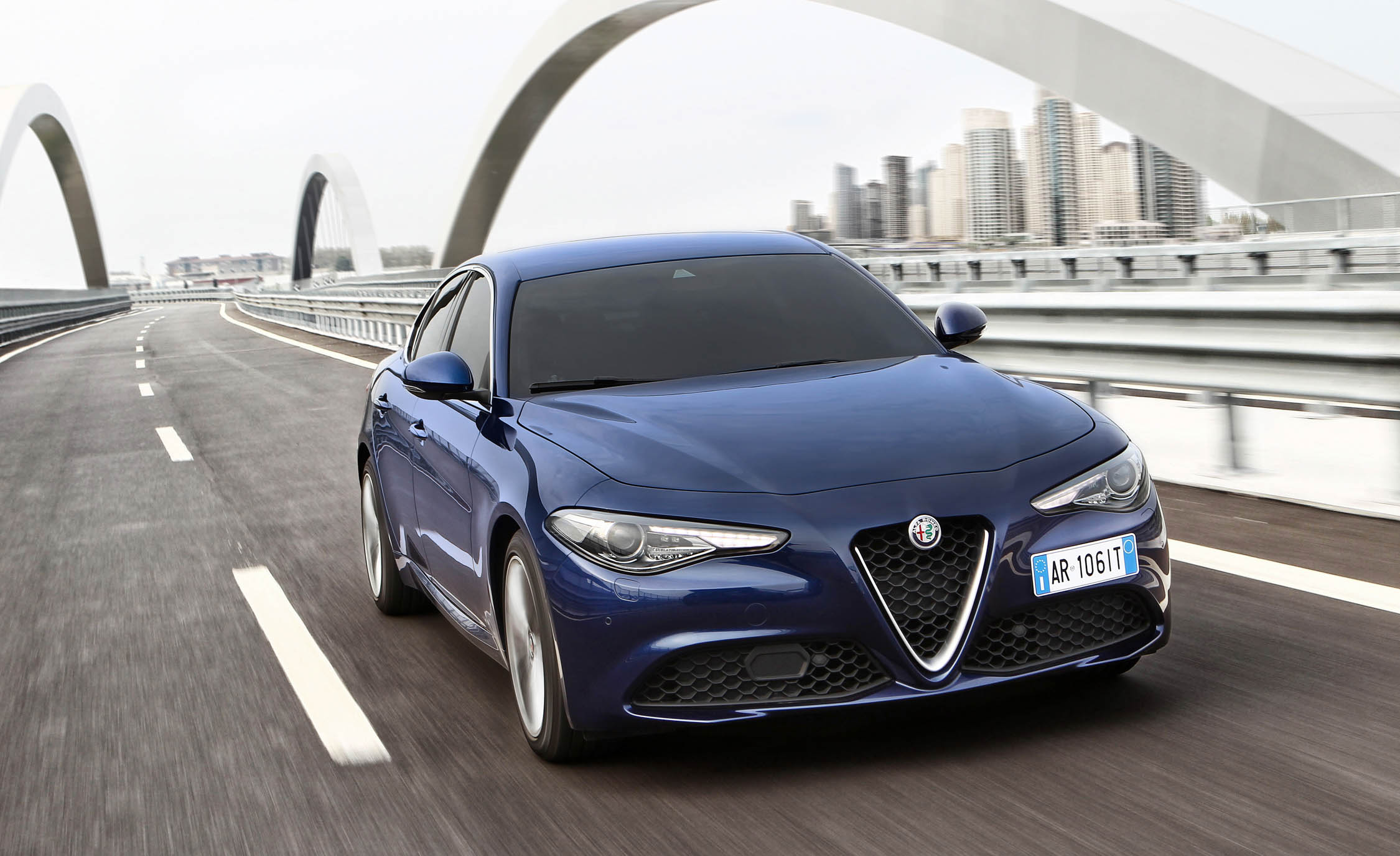 2017 Alfa Romeo Giulia (Photo 6 of 30)