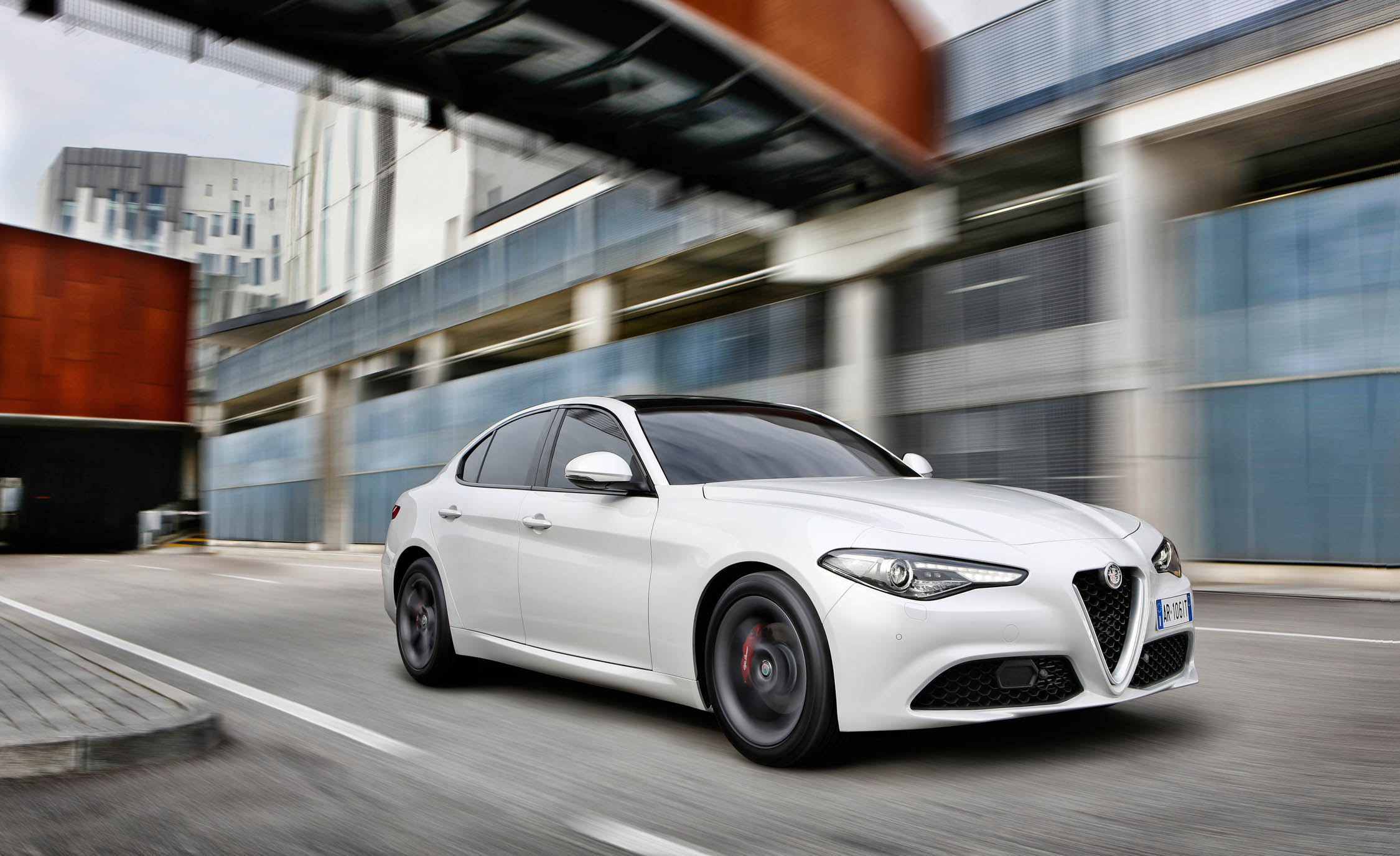 2017 Alfa Romeo Giulia (Photo 11 of 30)