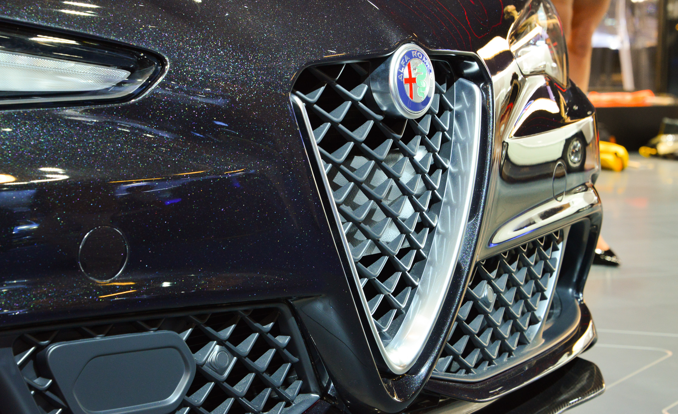 2017 Alfa Romeo Giulia Quadrifoglio Grille (Photo 22 of 29)