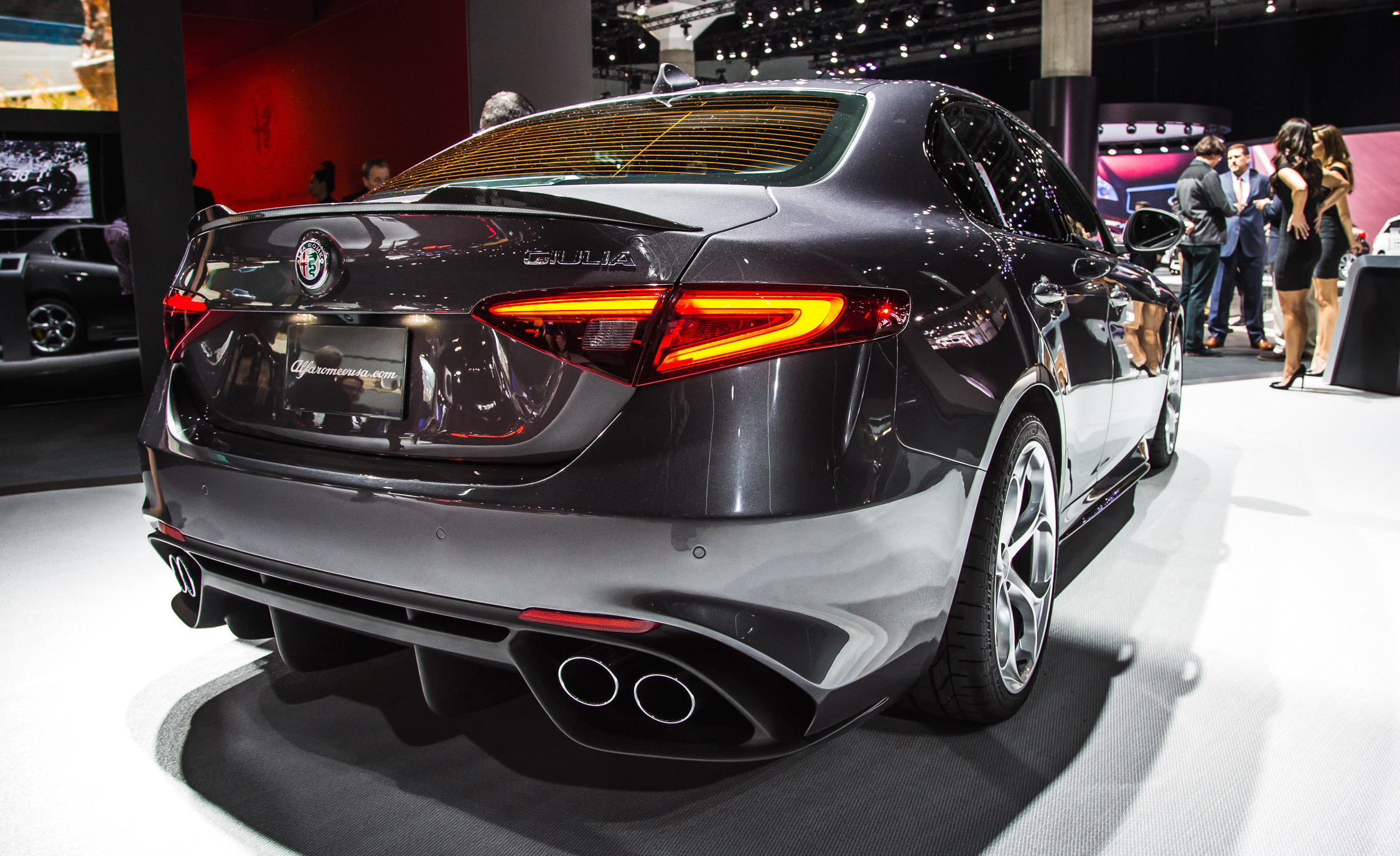 2017 Alfa Romeo Giulia Quadrifoglio Rear Exterior (Photo 25 of 29)