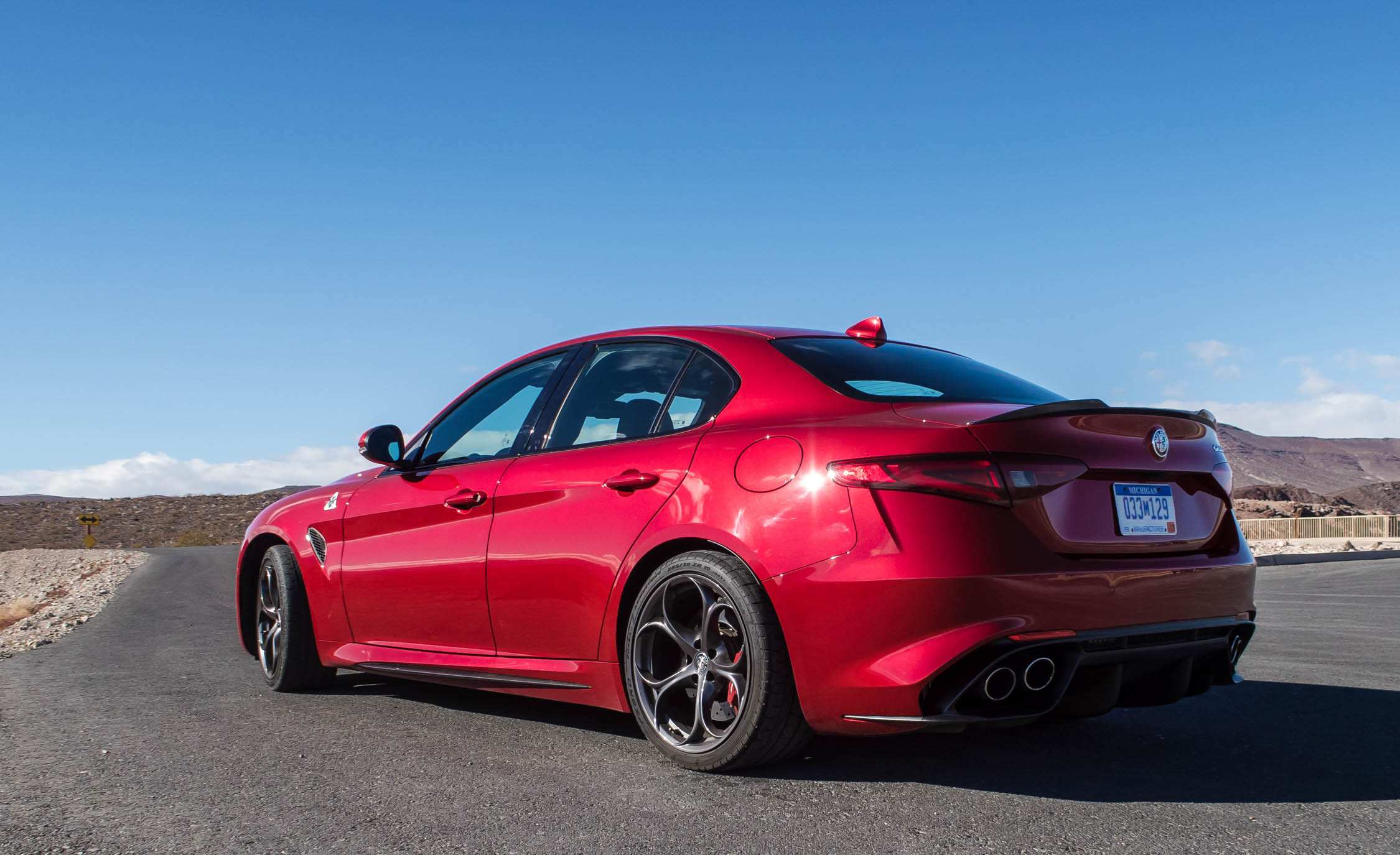 2017 Alfa Romeo Giulia Quadrifoglio (Photo 9 of 29)