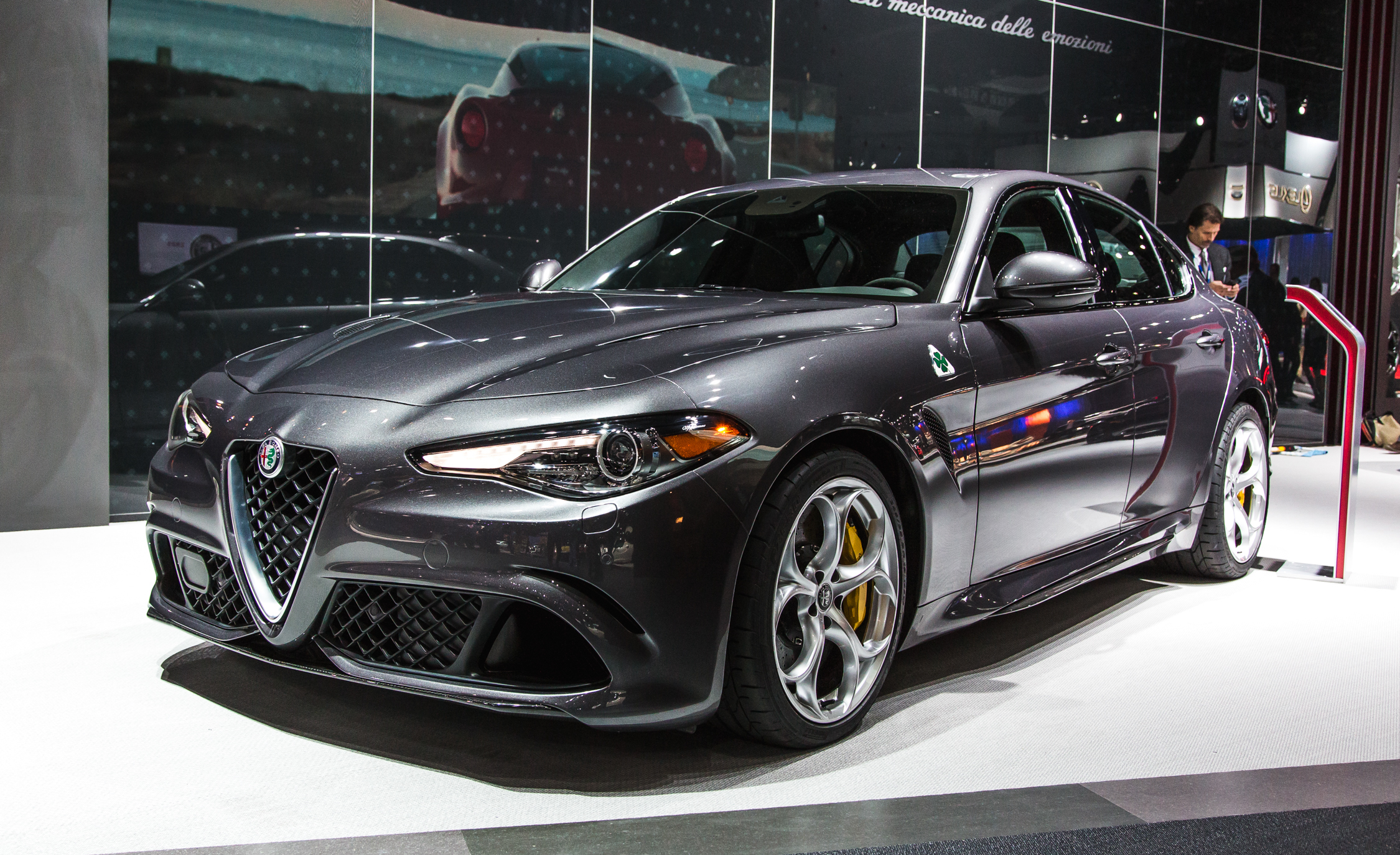2017 Alfa Romeo Giulia Quadrifoglio (Photo 18 of 29)