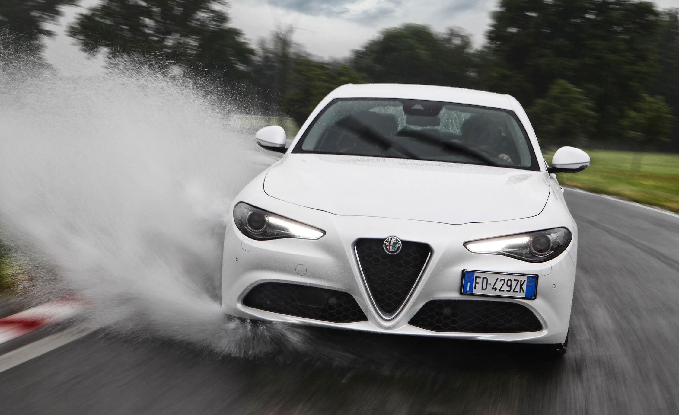 2017 Alfa Romeo Giulia (View 15 of 30)