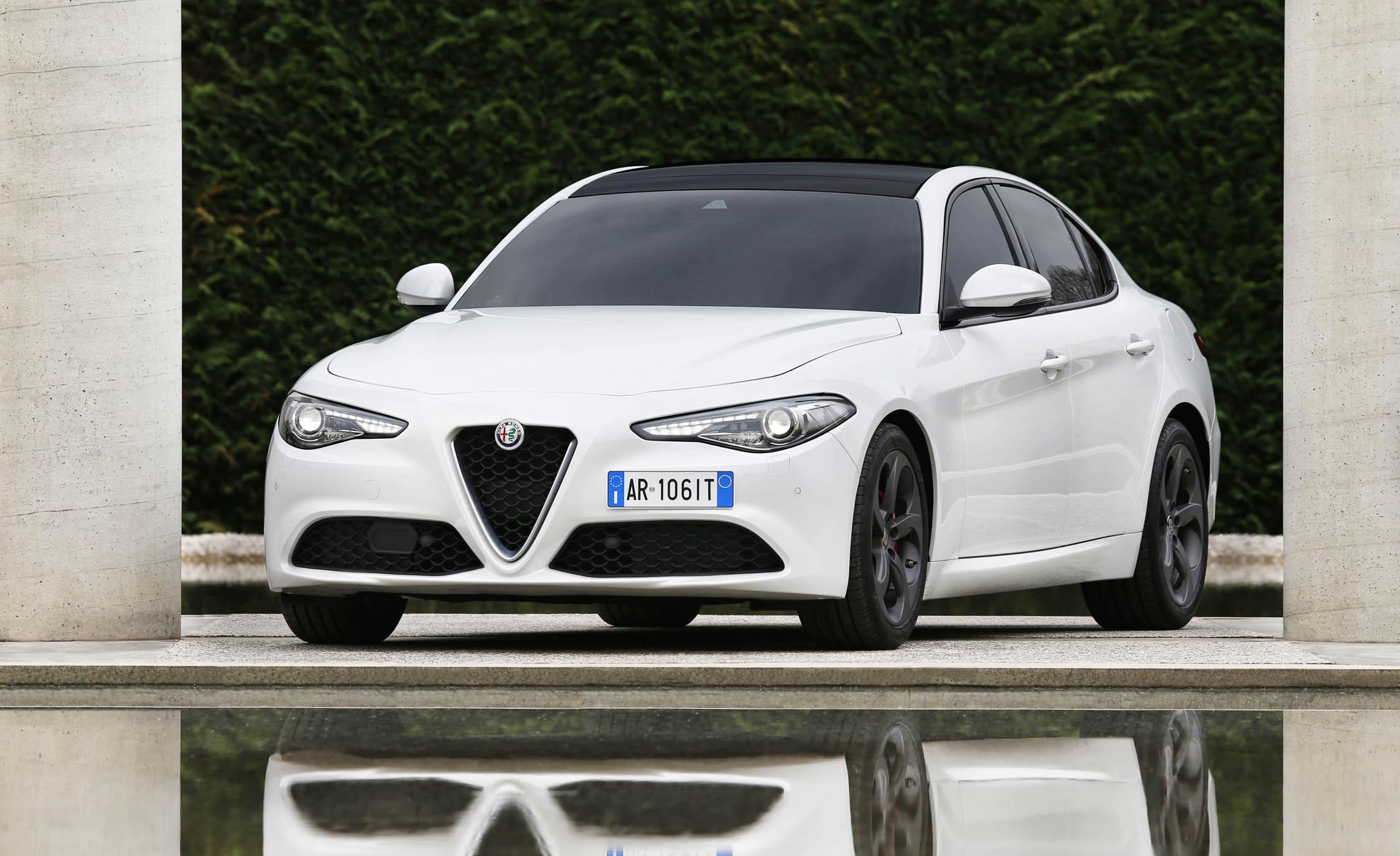2017 Alfa Romeo Giulia (View 19 of 30)